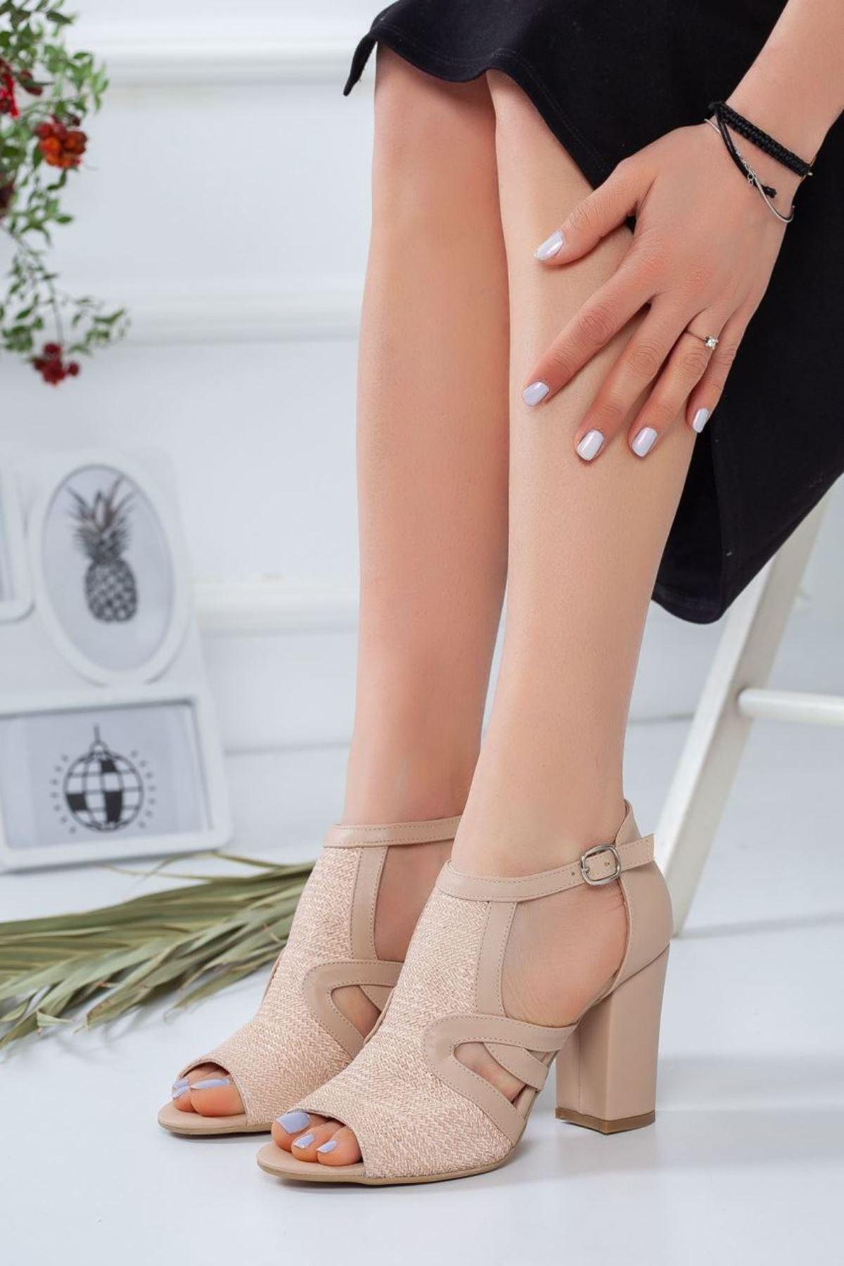 Kadın Rivera Mat Deri Topuklu Ayakkabı Ten
