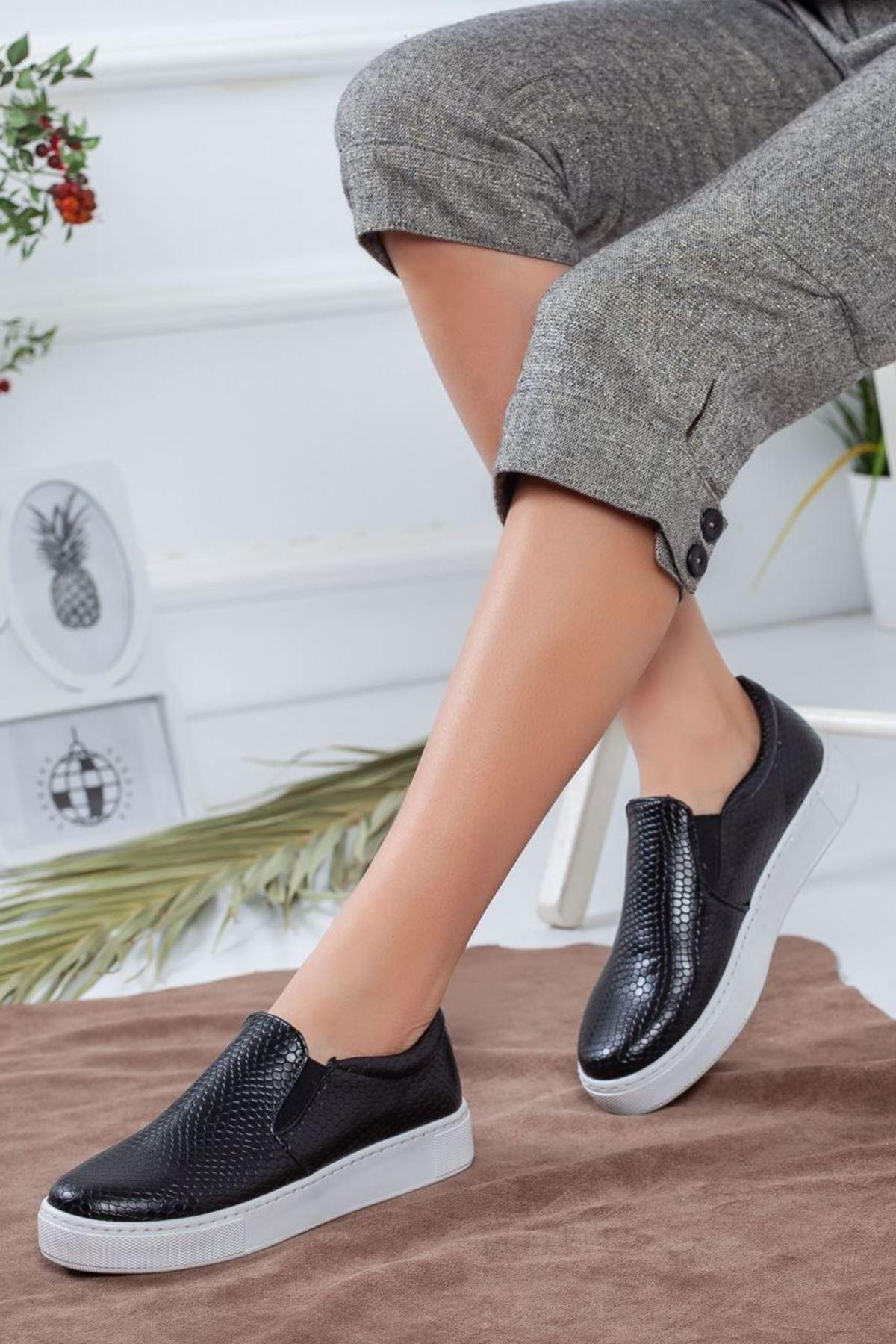 Kadın Tina Yılan Desen Spor Ayakkabı Siyah