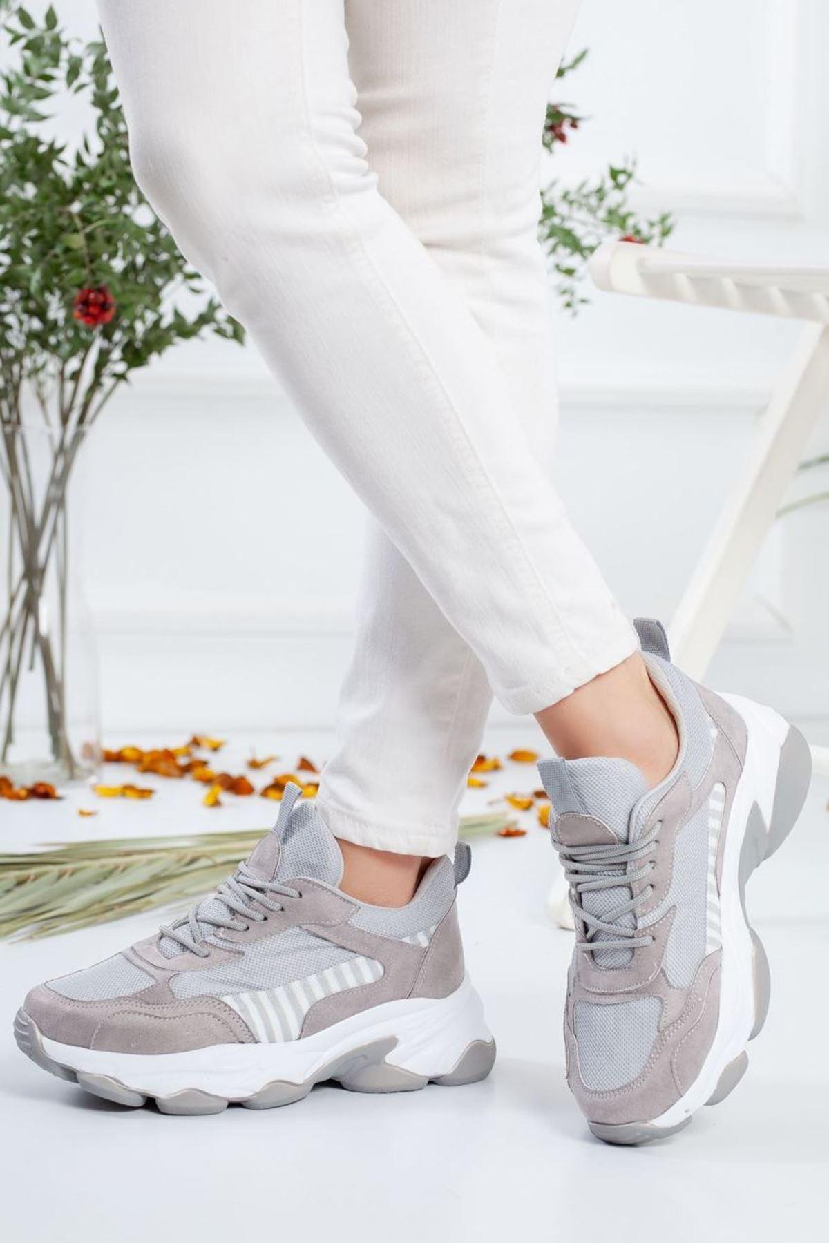 Kadın Reborn Çizgi Detaylı Kalın Taban Spor Ayakkabı Gri