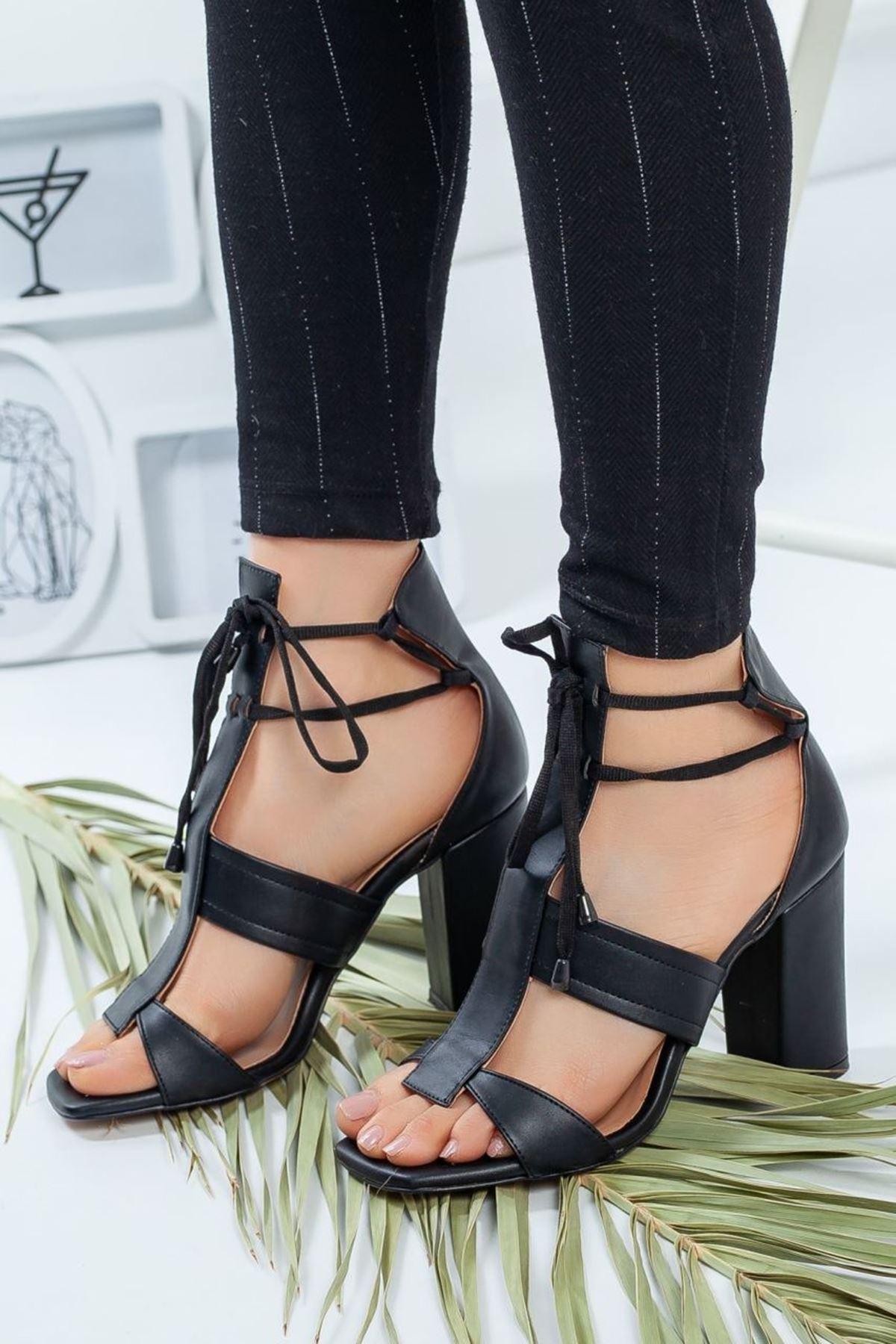 Kadın Okaliptus Siyah DeriTopuklu Ayakkabı