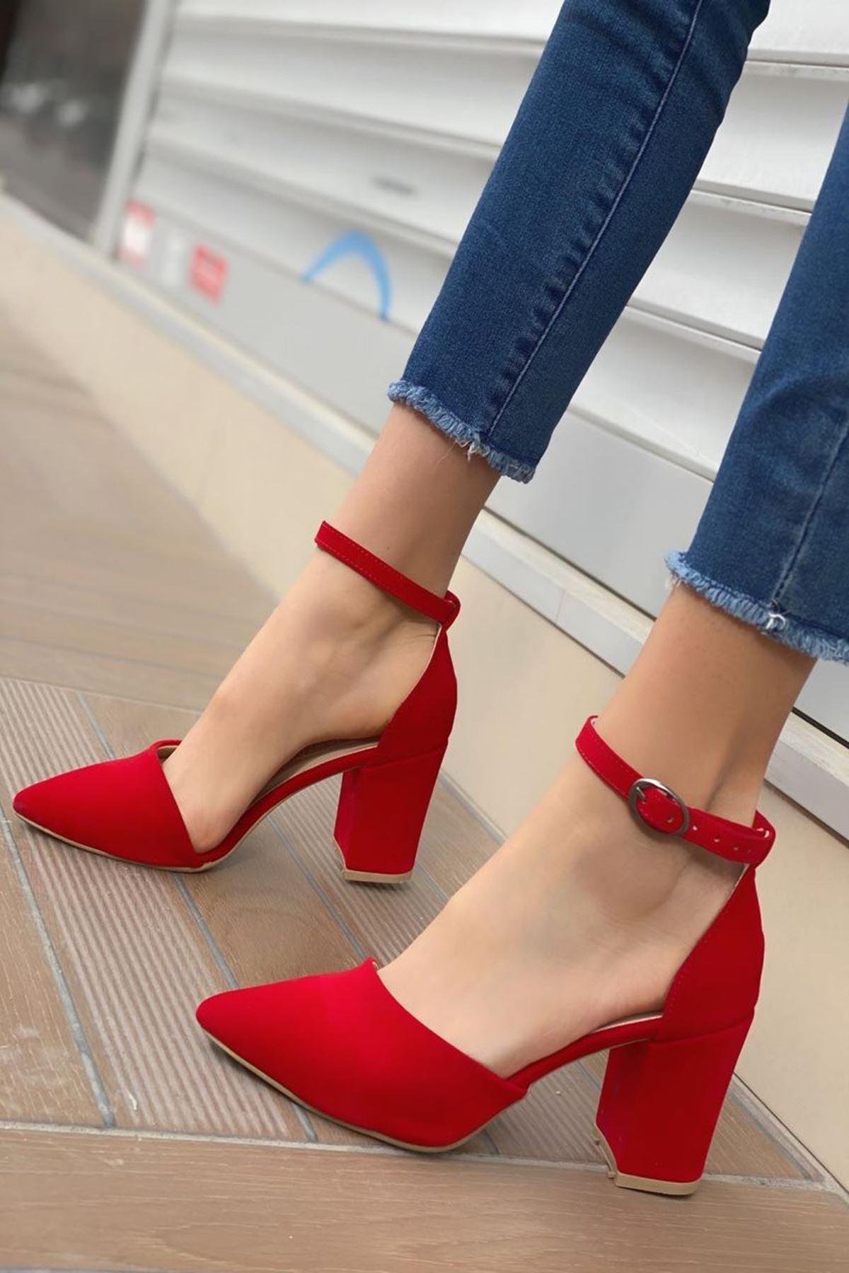 Kadın Celar Kırmızı Süet Topuklu Ayakkabı