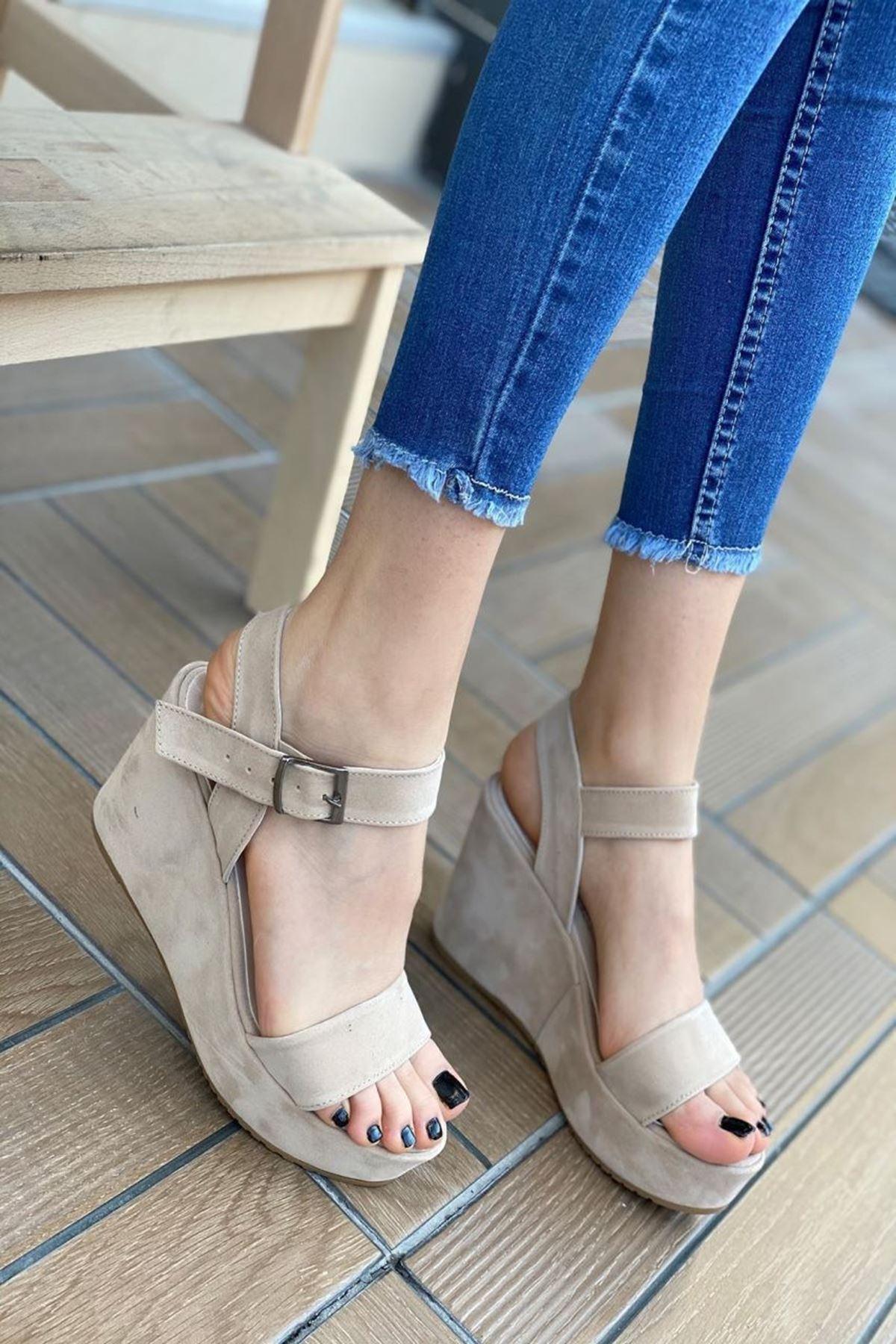 Kadın Methone Bej Dolgu Topuk Ayakkabı