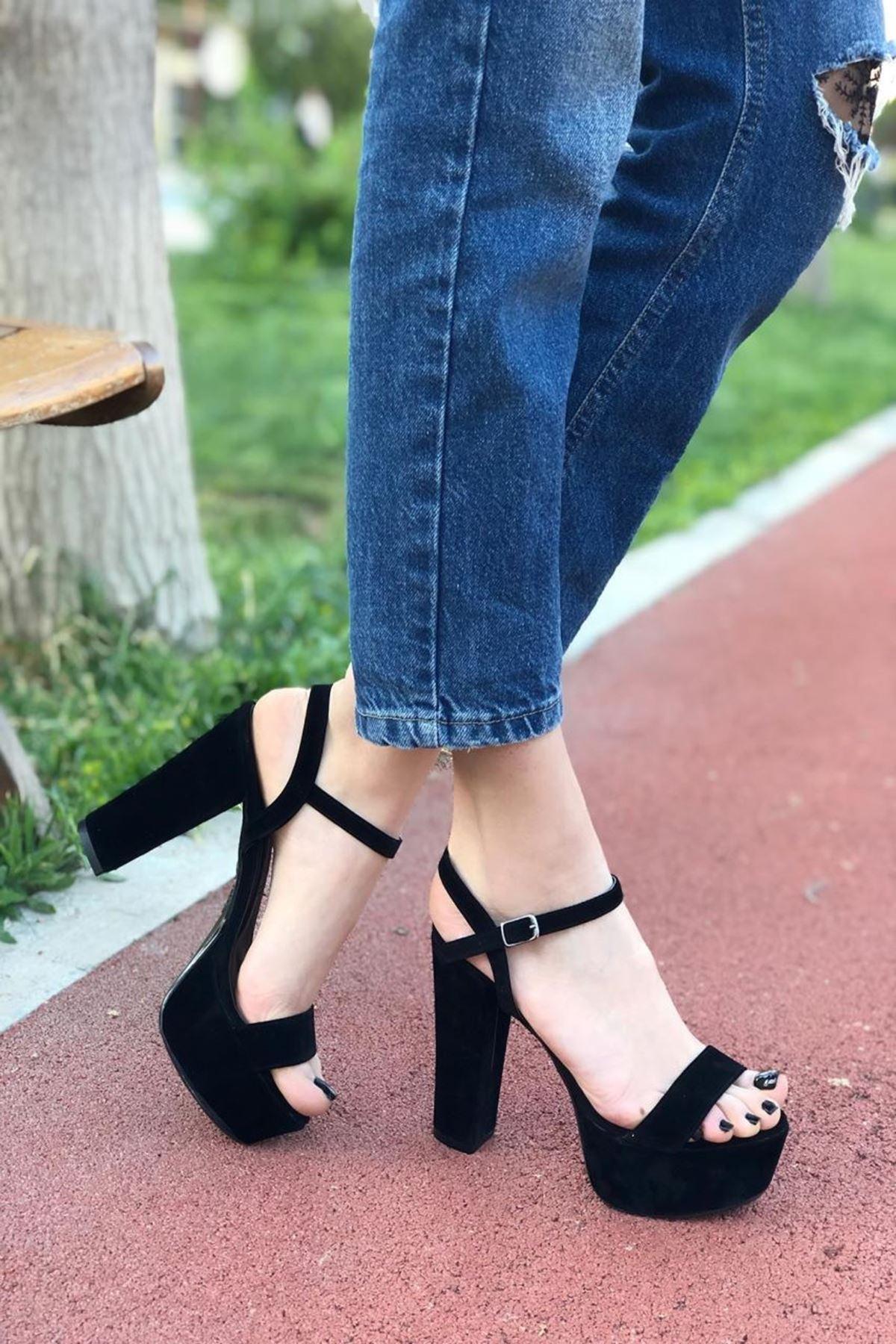 Kadın Grena Siyah Topuklu Ayakkabı