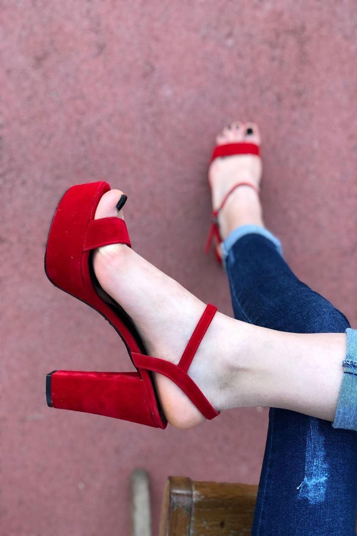 Kadın Grena Kırmızı Topuklu Ayakkabı