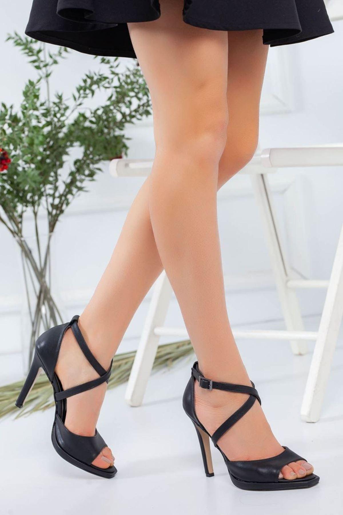 Kadın Bella Siyah Deri Topuklu Ayakkabı