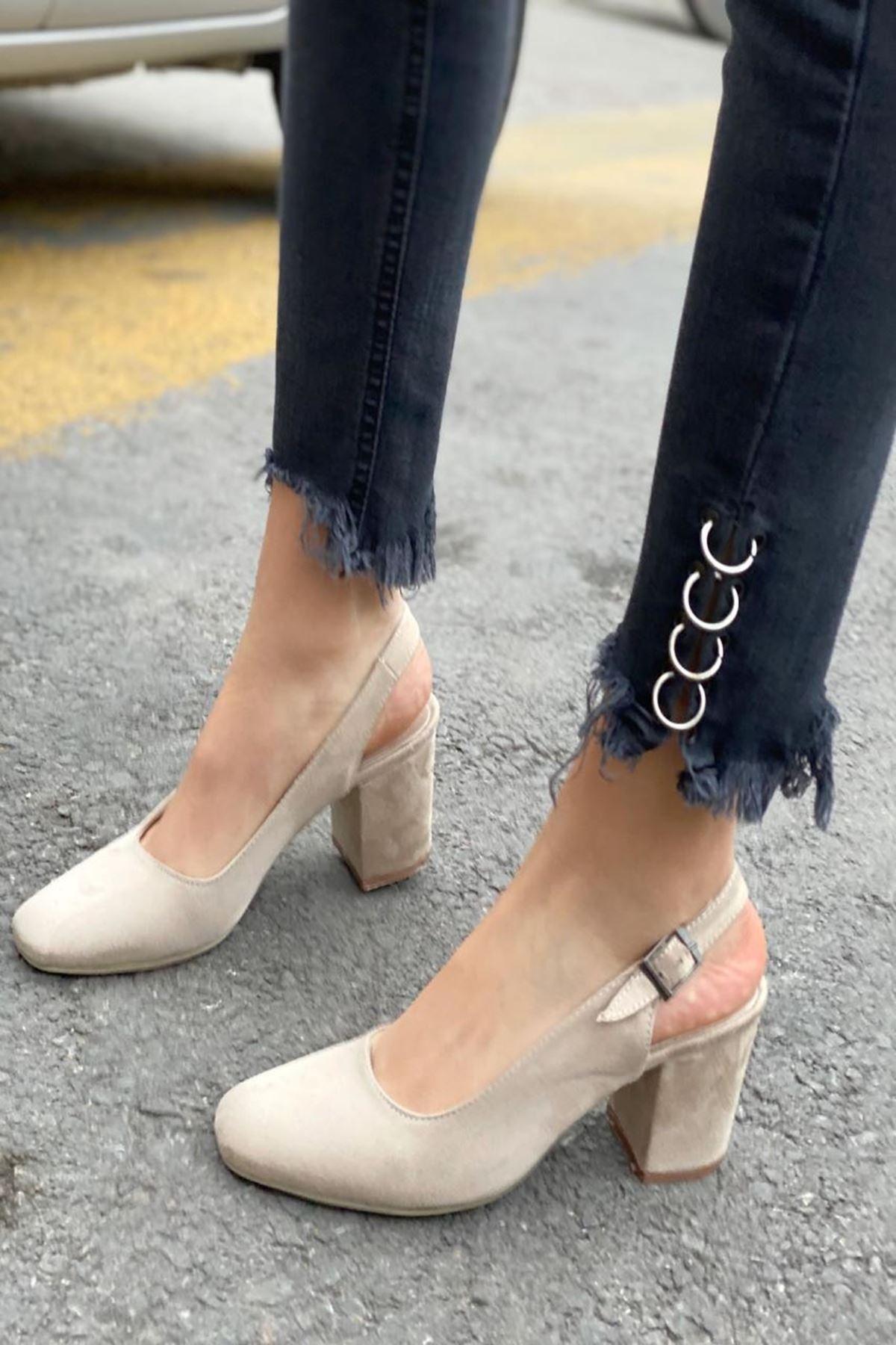 Kadın Volsa Bej Süet Topuklu Ayakkabı