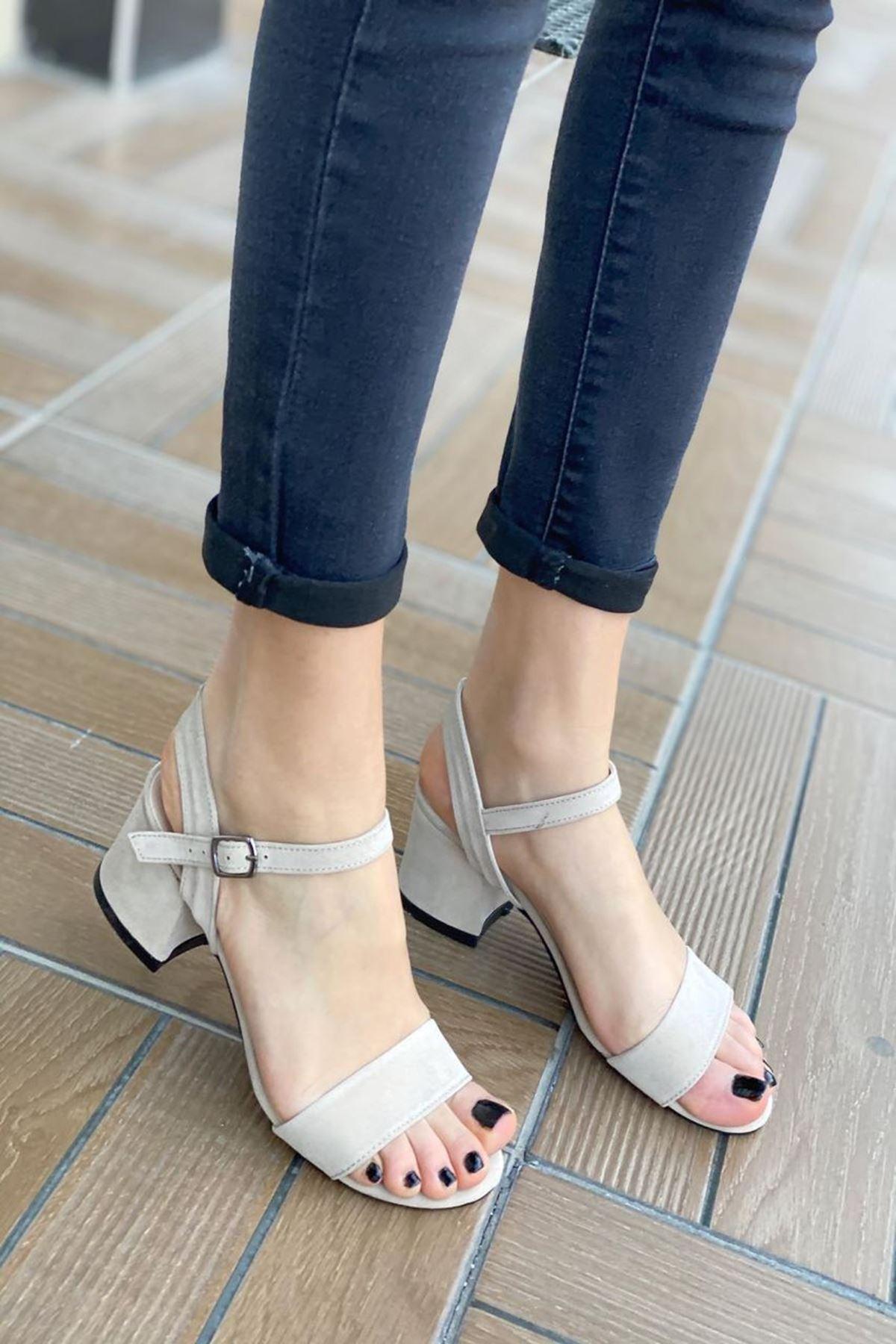 Kadın Silve Bej Süet Kısa Topuklu Ayakkabı