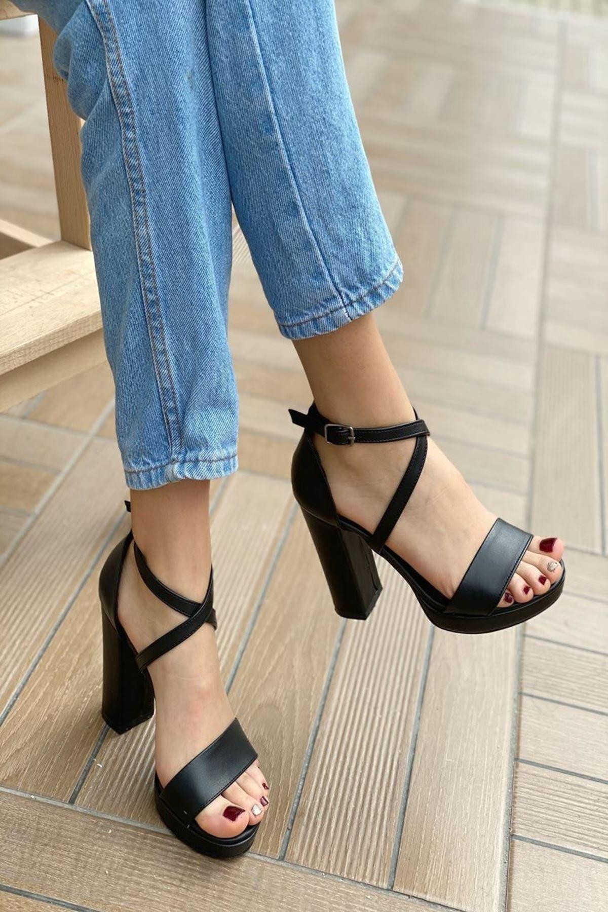 Kadın Duke  Deri Siyah Topuklu Ayakkabı