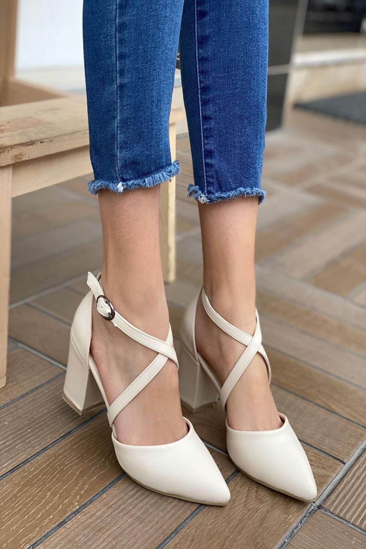 Kadın Time Bej Deri Topuklu Ayakkabı