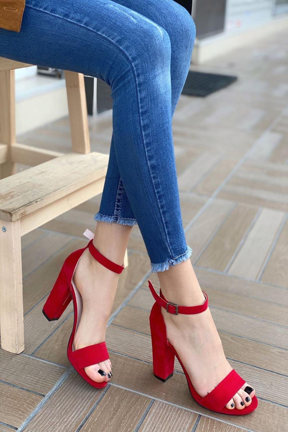 Kadın Marcas Kırmızı Süet Topuklu Ayakkabı
