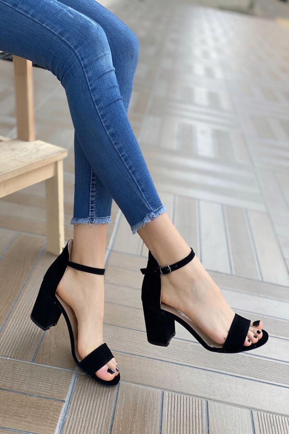 Kadın Mardian Siyah Süet Tek Bant Kısa  Topuklu Ayakkabı