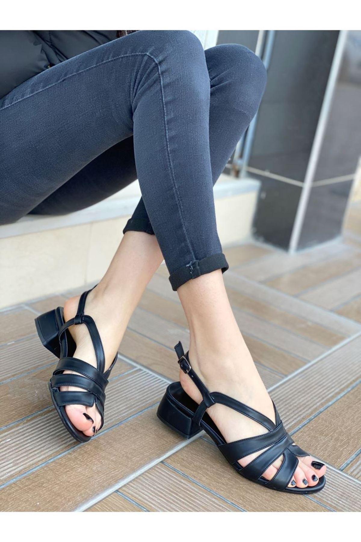 Kadın Nestor Siyah Deri Kısa Topuklu Ayakkabı