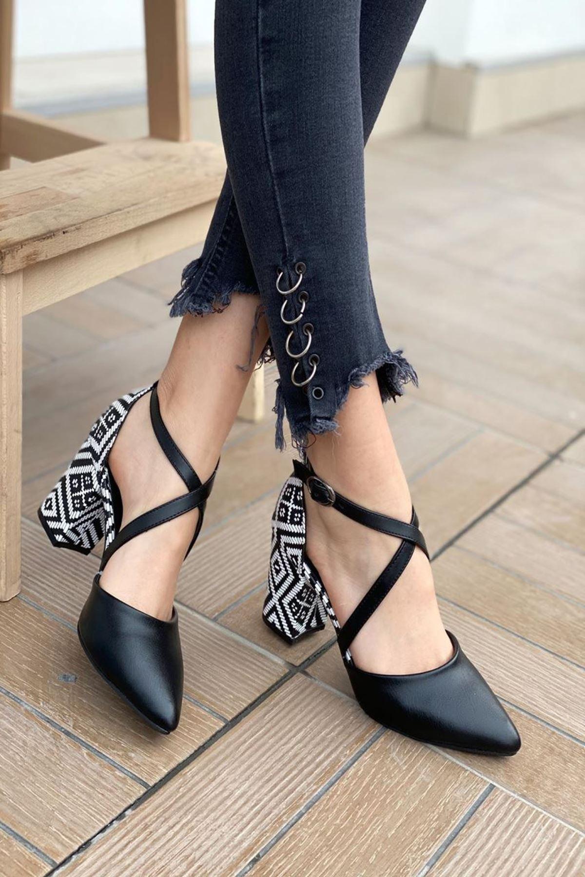 Kadın Lanus Siyah Deri Topuklu Ayakkabı