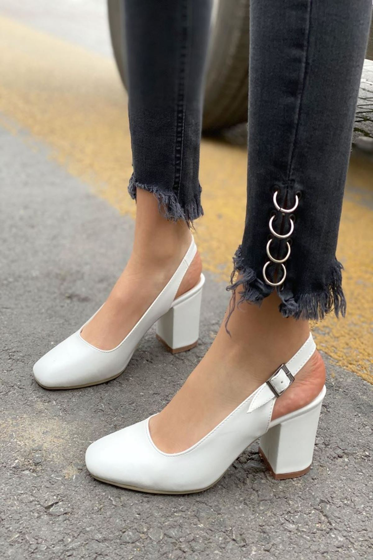 Kadın Volsa Beyaz Deri Topuklu Ayakkabı