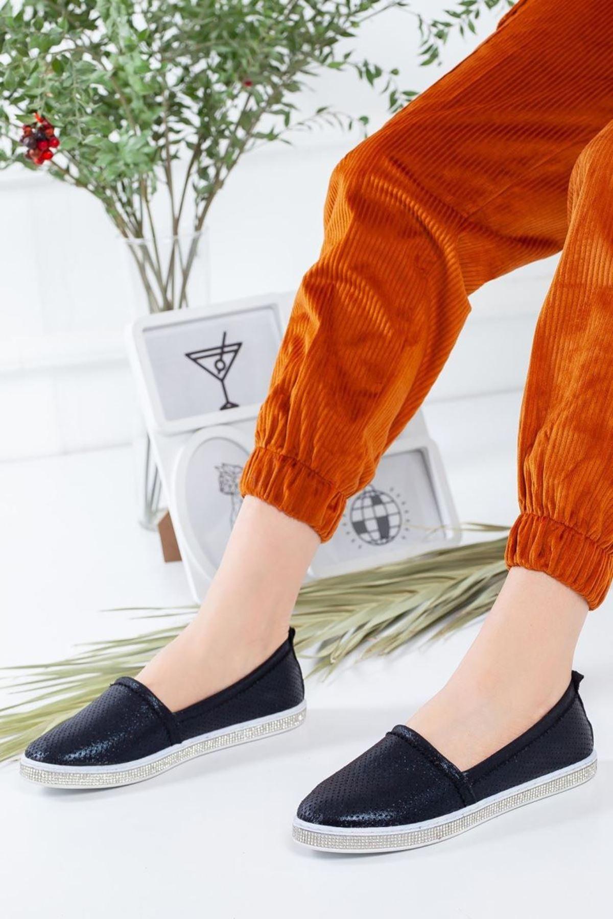 Kadın Rosal Siyah Babet Günlük Ayakkabı