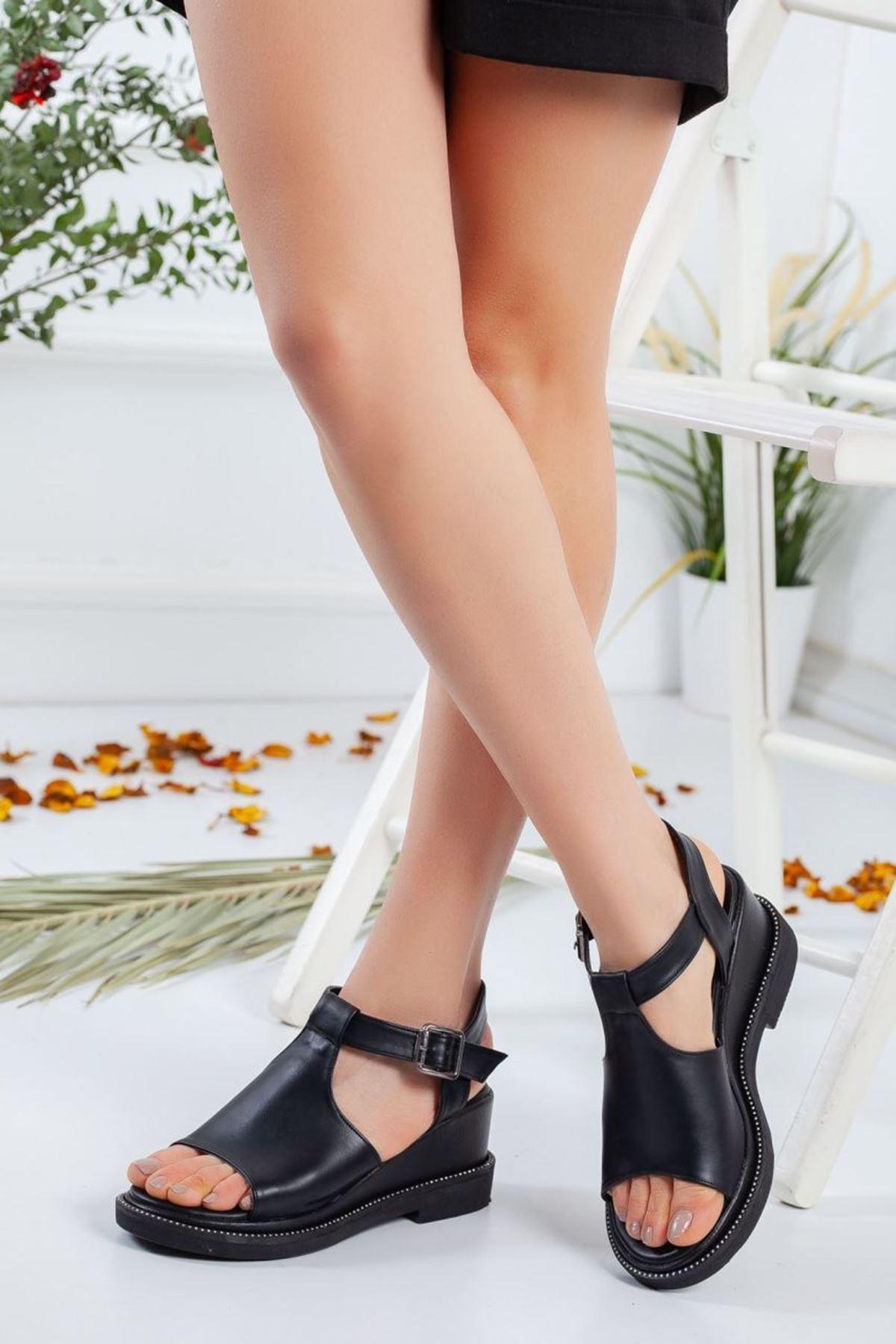 Kadın Karmin Mat Deri Dolgu Topuk Sandalet Siyah