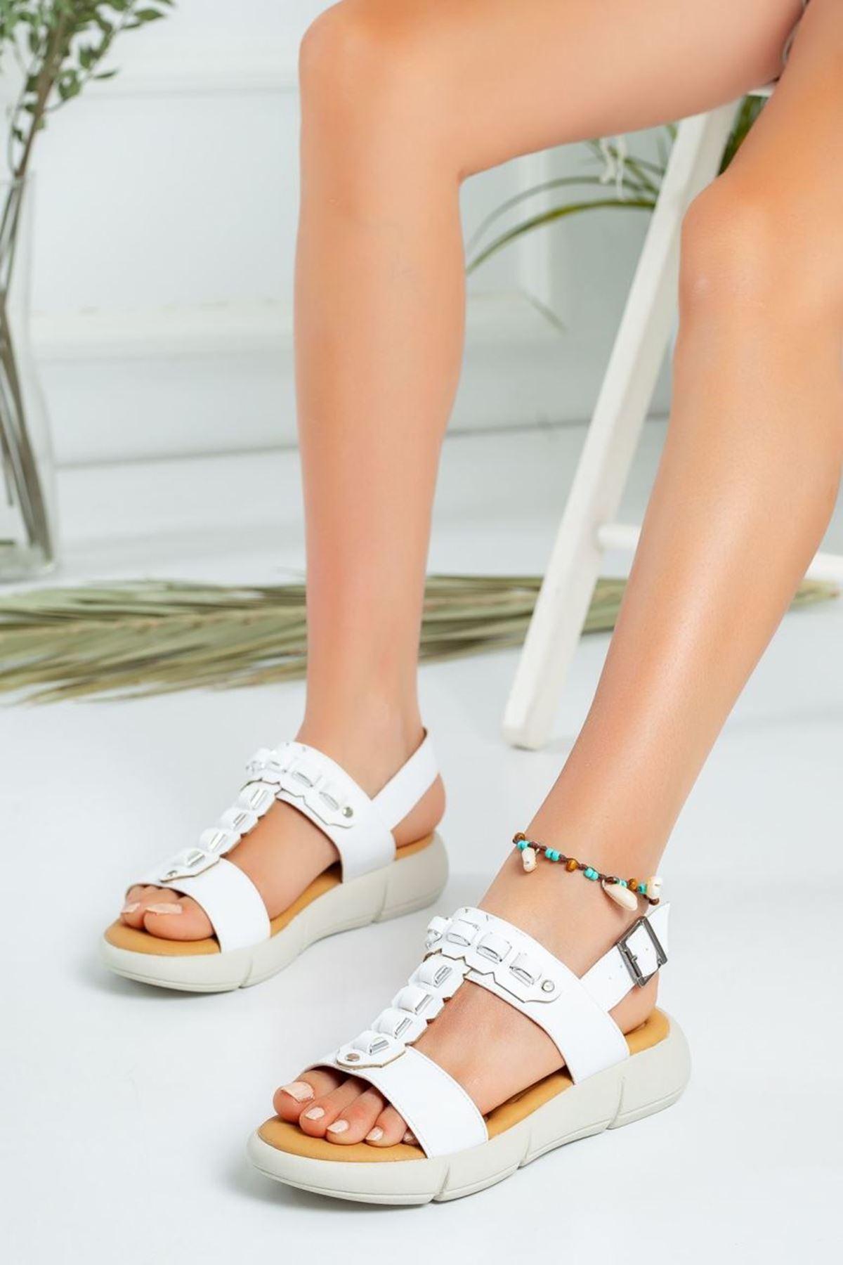 Kadın Latina Kemerli Sandalet Beyaz