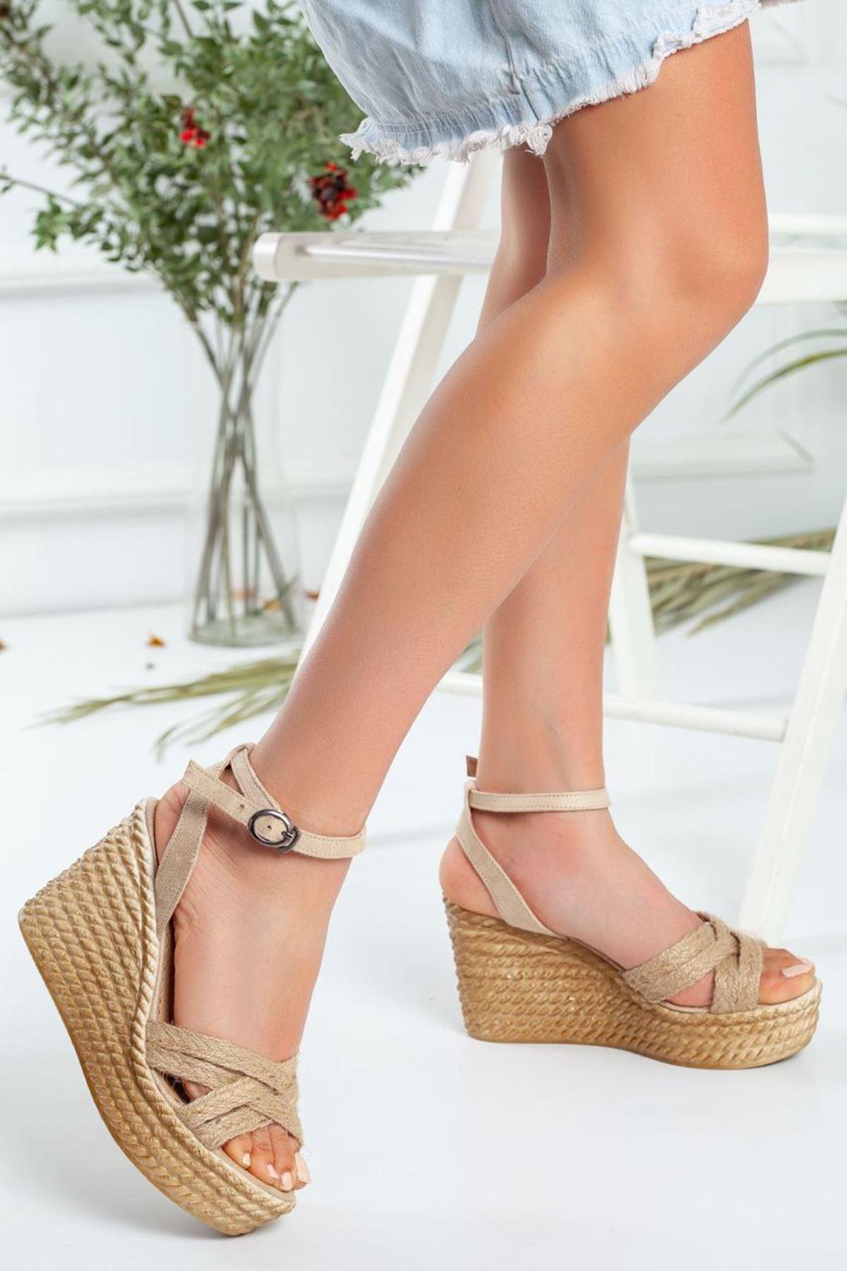 Kadın Oggi Dolgu Taban Ayakkabı Vizon Hasır