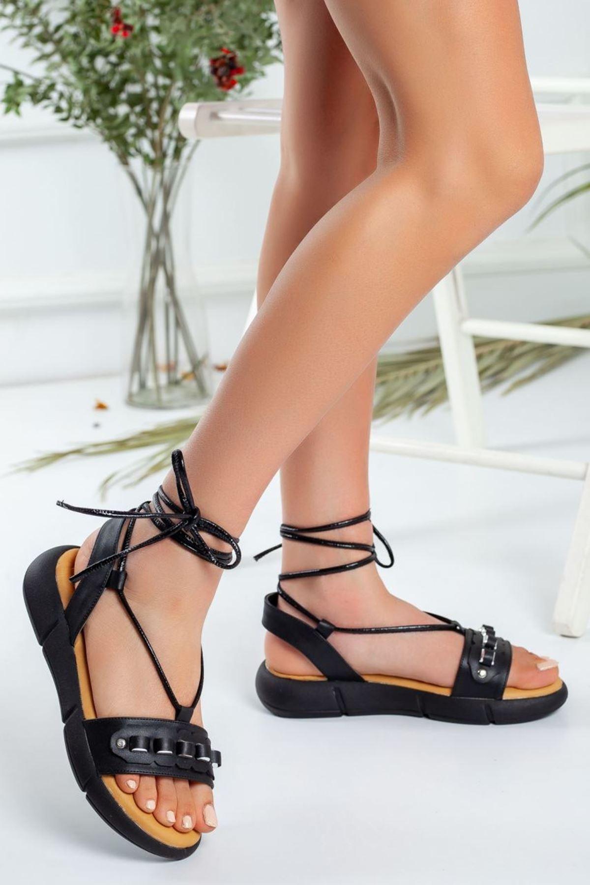 Kadın Harvi Bağcıklı Sandalet Mat Deri Siyah