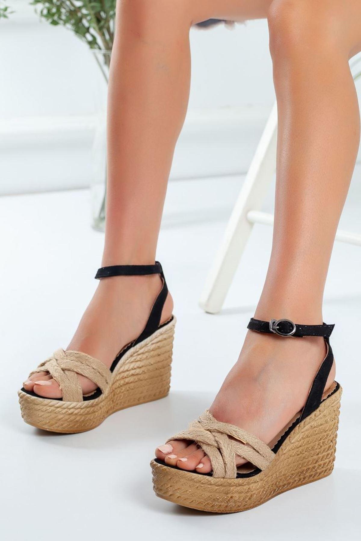 Kadın Oggi Dolgu Taban Ayakkabı Siyah Hasır