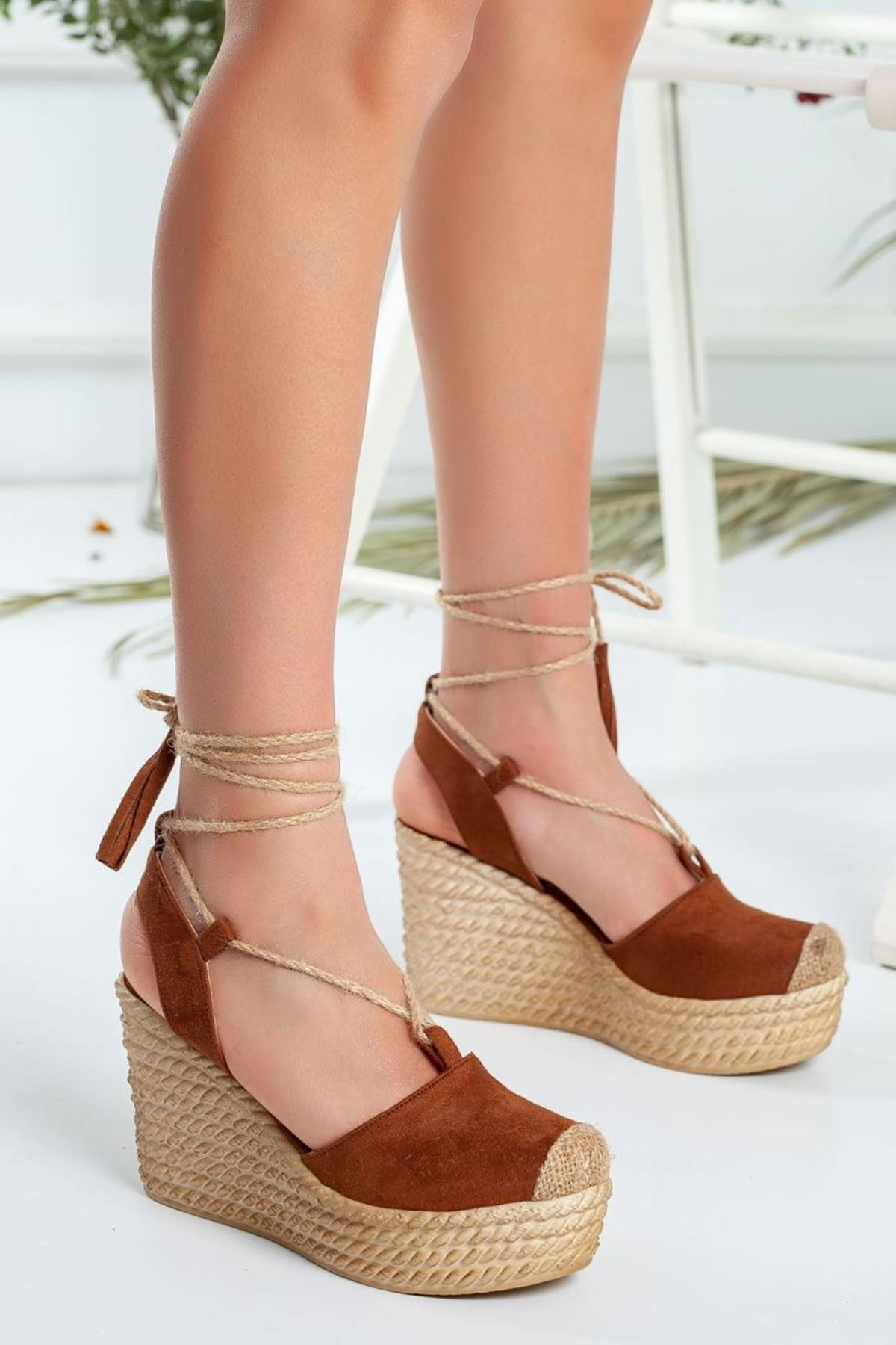 Kadın Lizza Dolgu Taban Ayakkabı Taba