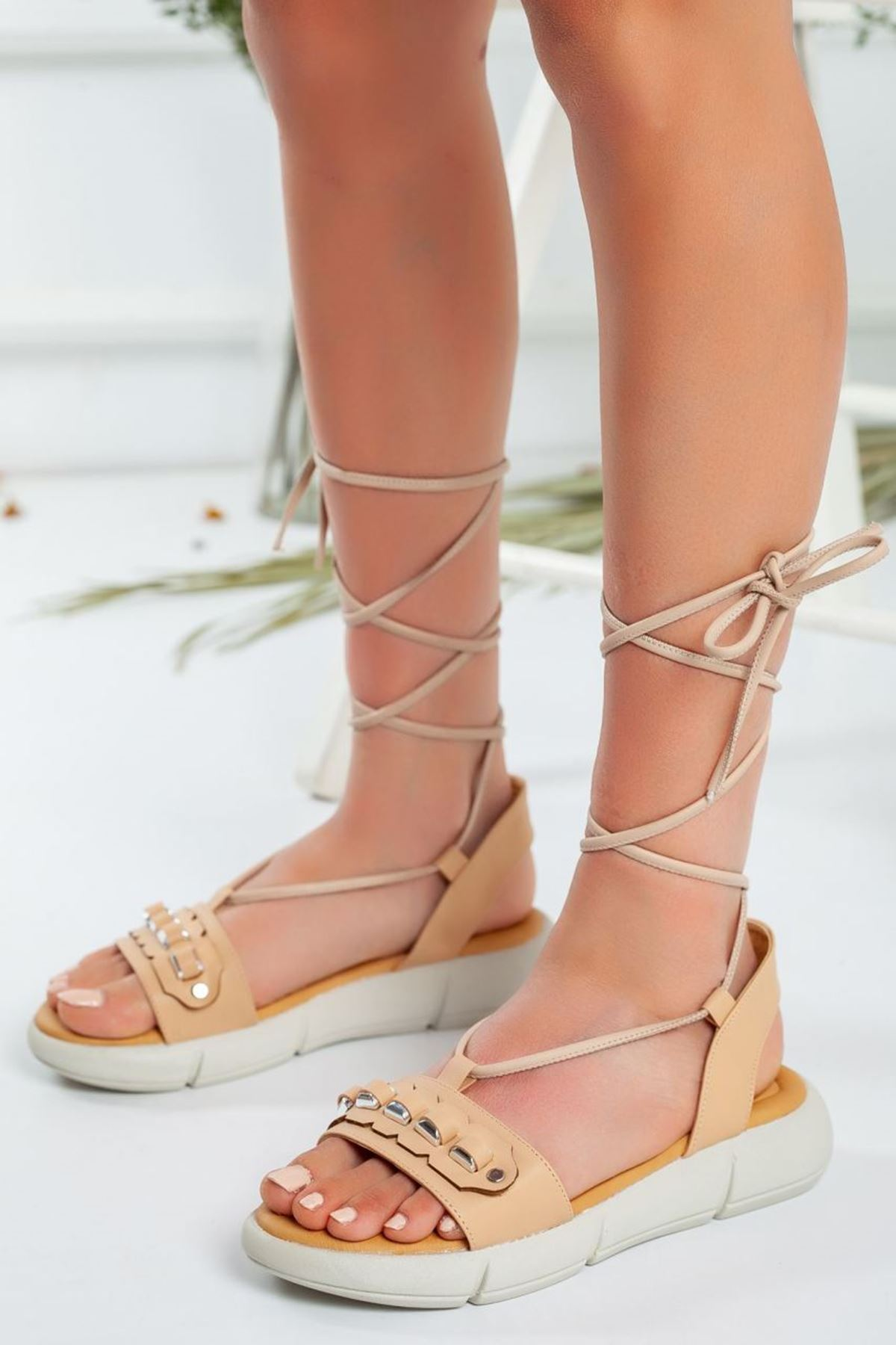 Kadın Harvi Bağcıklı Sandalet Mat Deri Nude