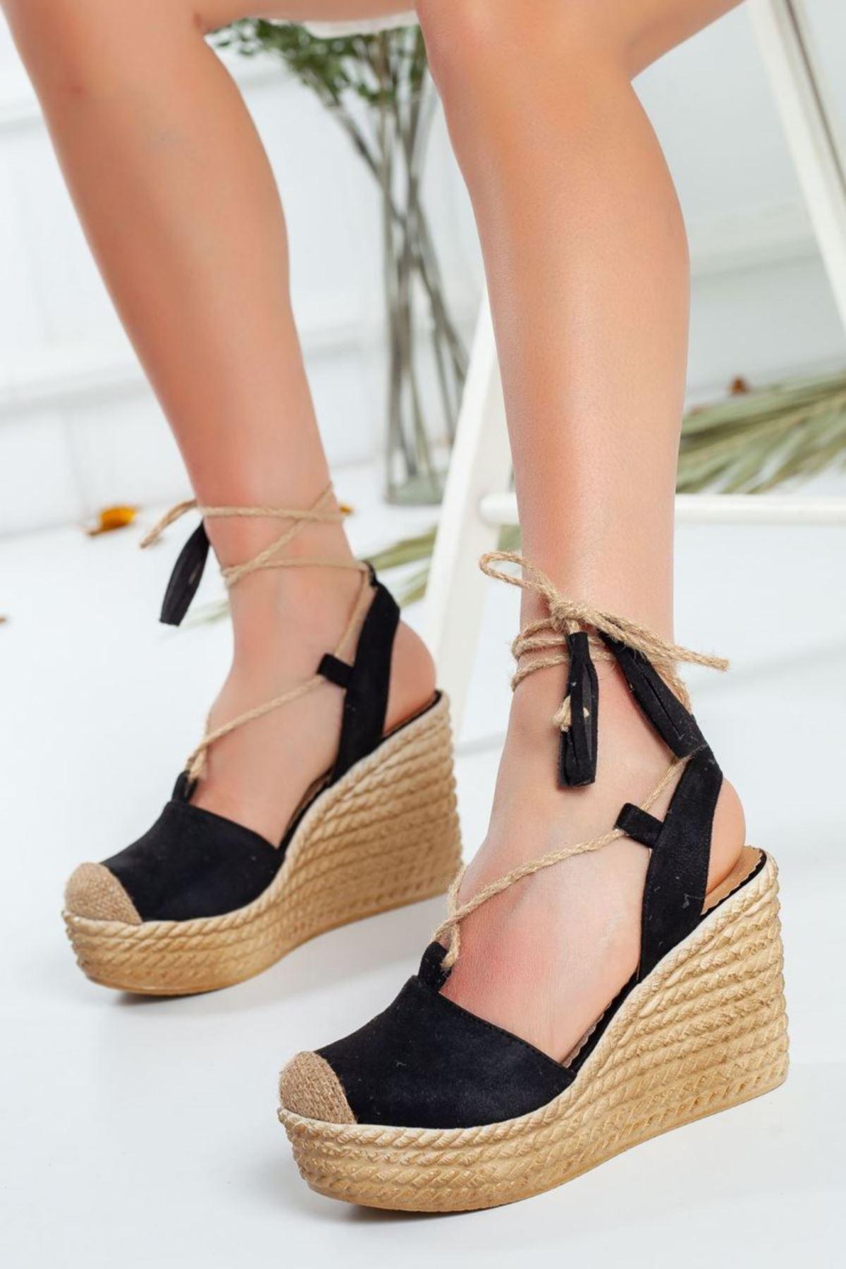 Kadın Lizza Dolgu Taban Ayakkabı Siyah Bağcıklı