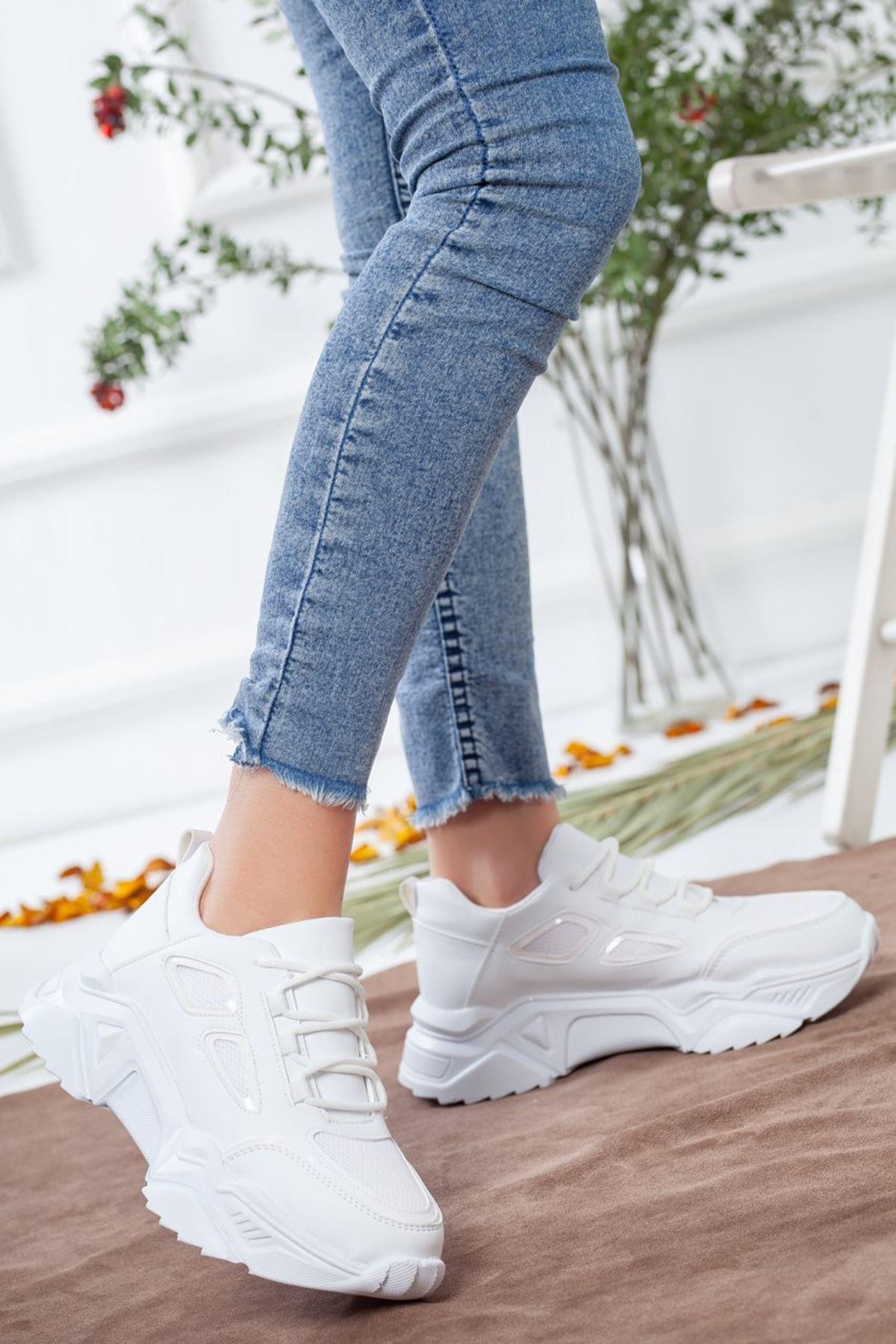 Kadın Skol Spor Ayakkabı Beyaz