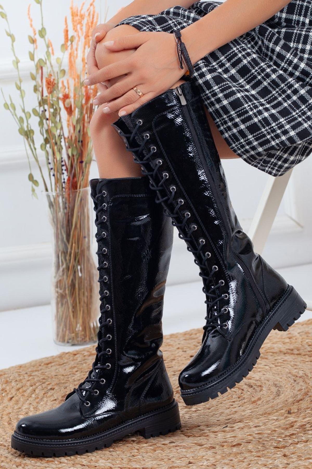 Kadın Alisa Bağcıklı Siyah Rugan Çizme