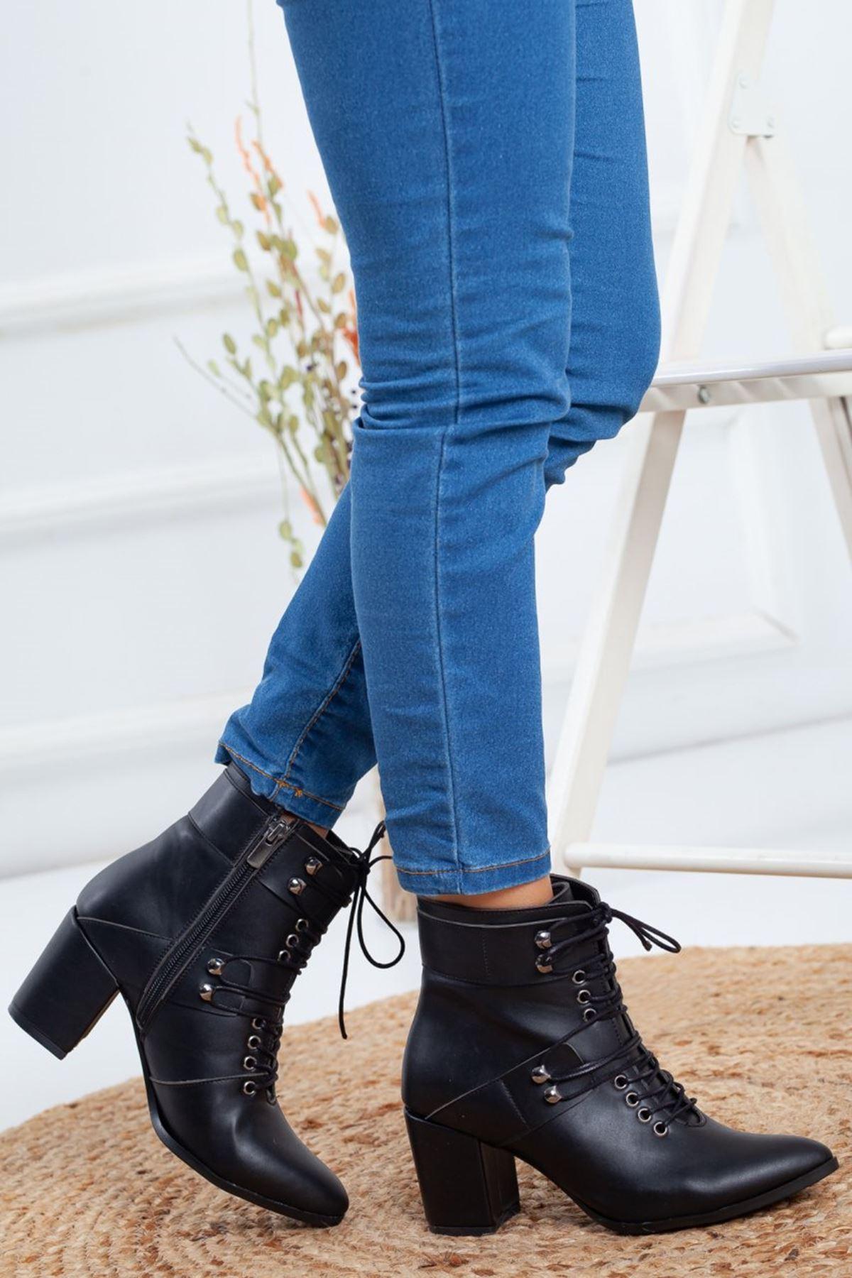 Kadın Mogli Topuklu Bağcıklı Mat Deri Siyah Bot