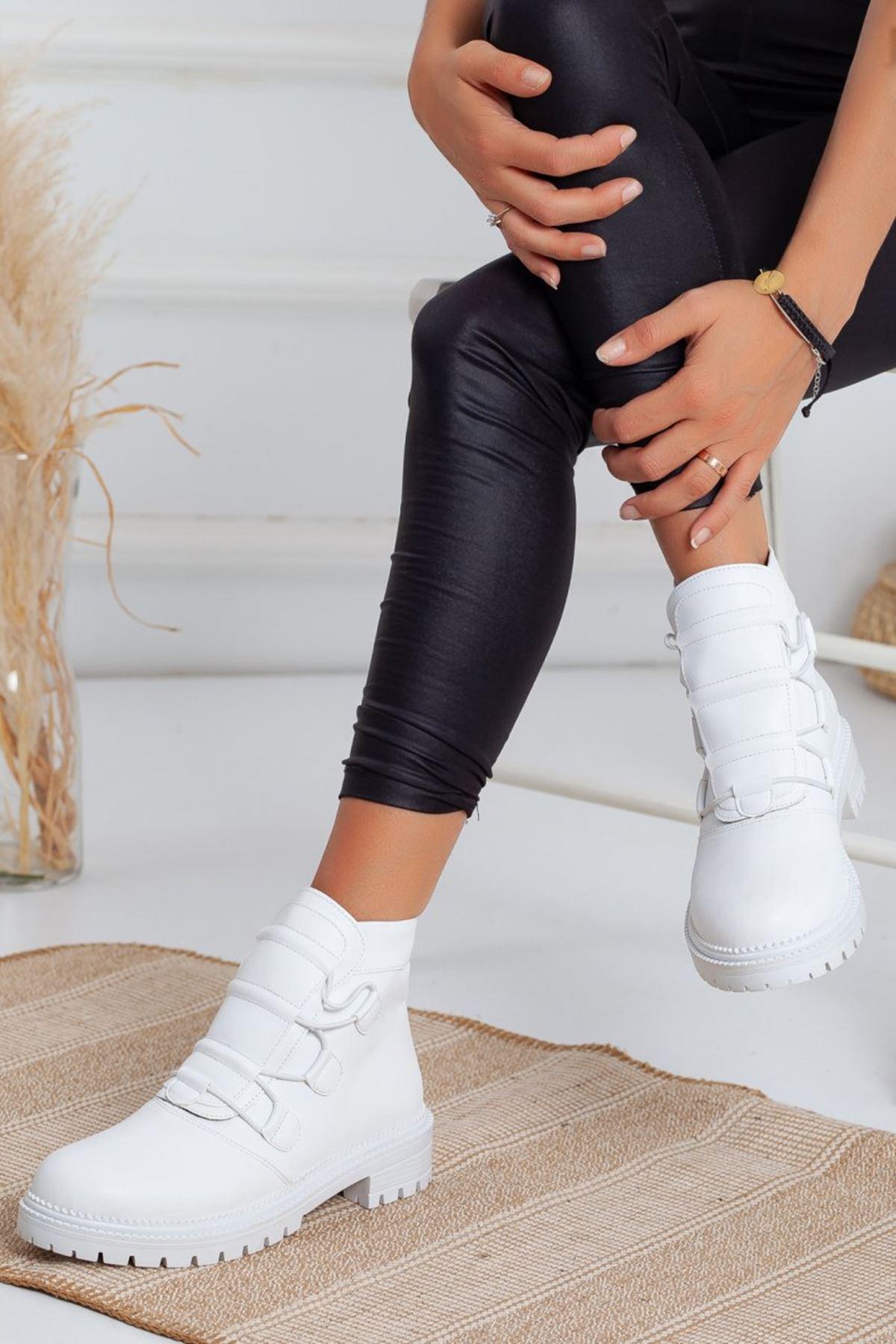 Kadın Deny Lastik Bağcıklı Tırtıklı Taban Mat Deri Beyaz Bot