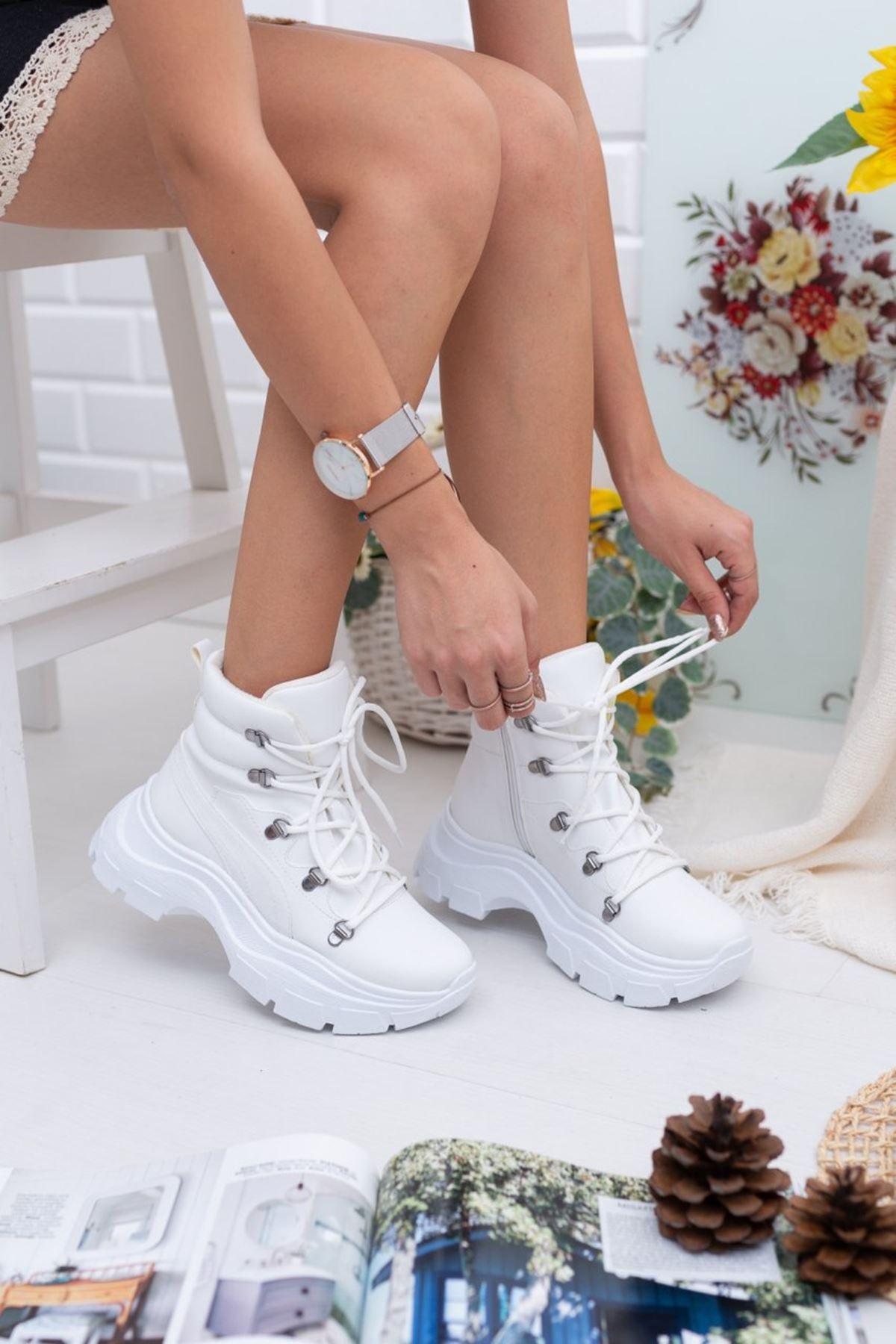Kadın Veron Kalın Taban  Mat Deri Beyaz Bot