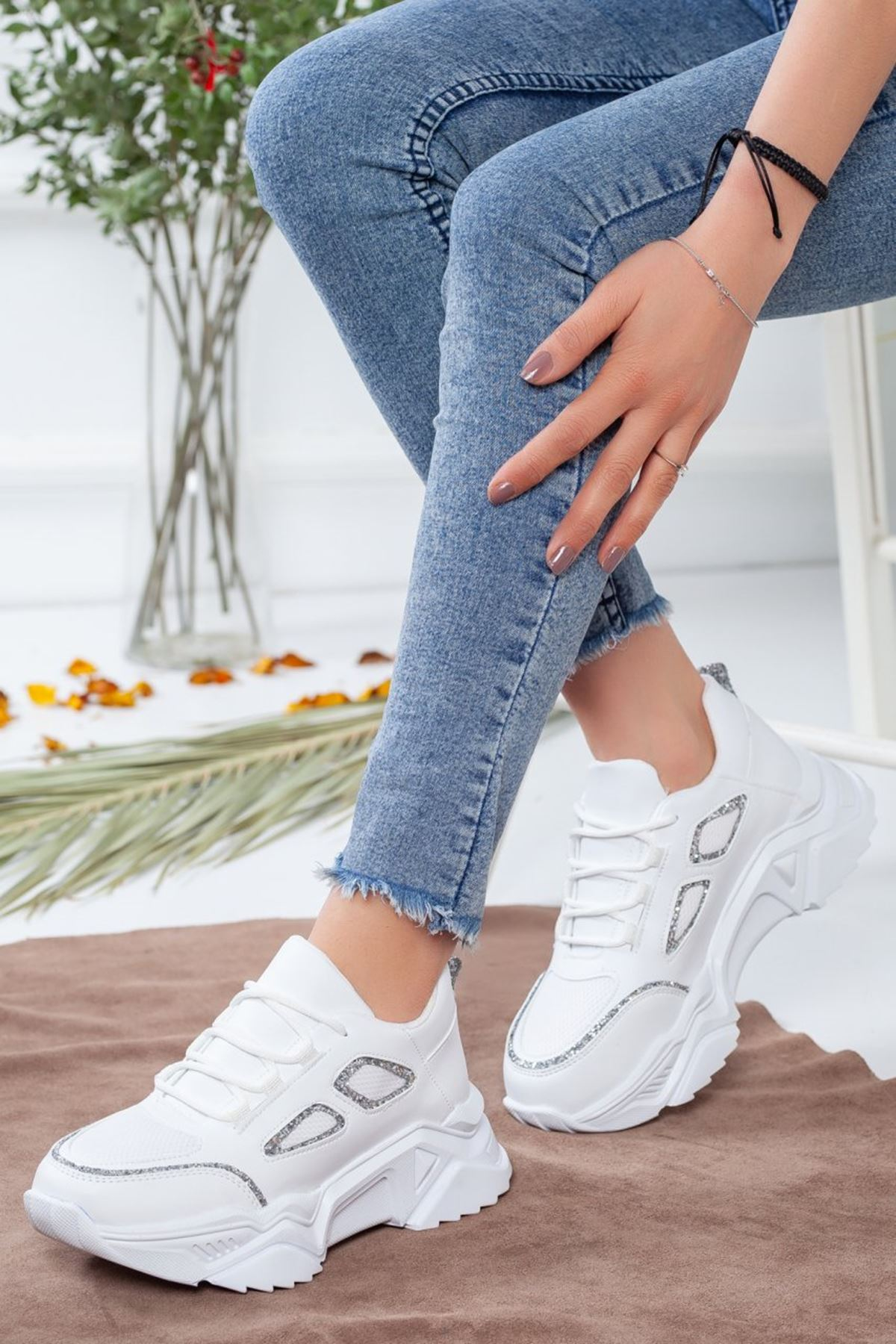 Kadın Skol Spor Ayakkabı Gümüş  Beyaz