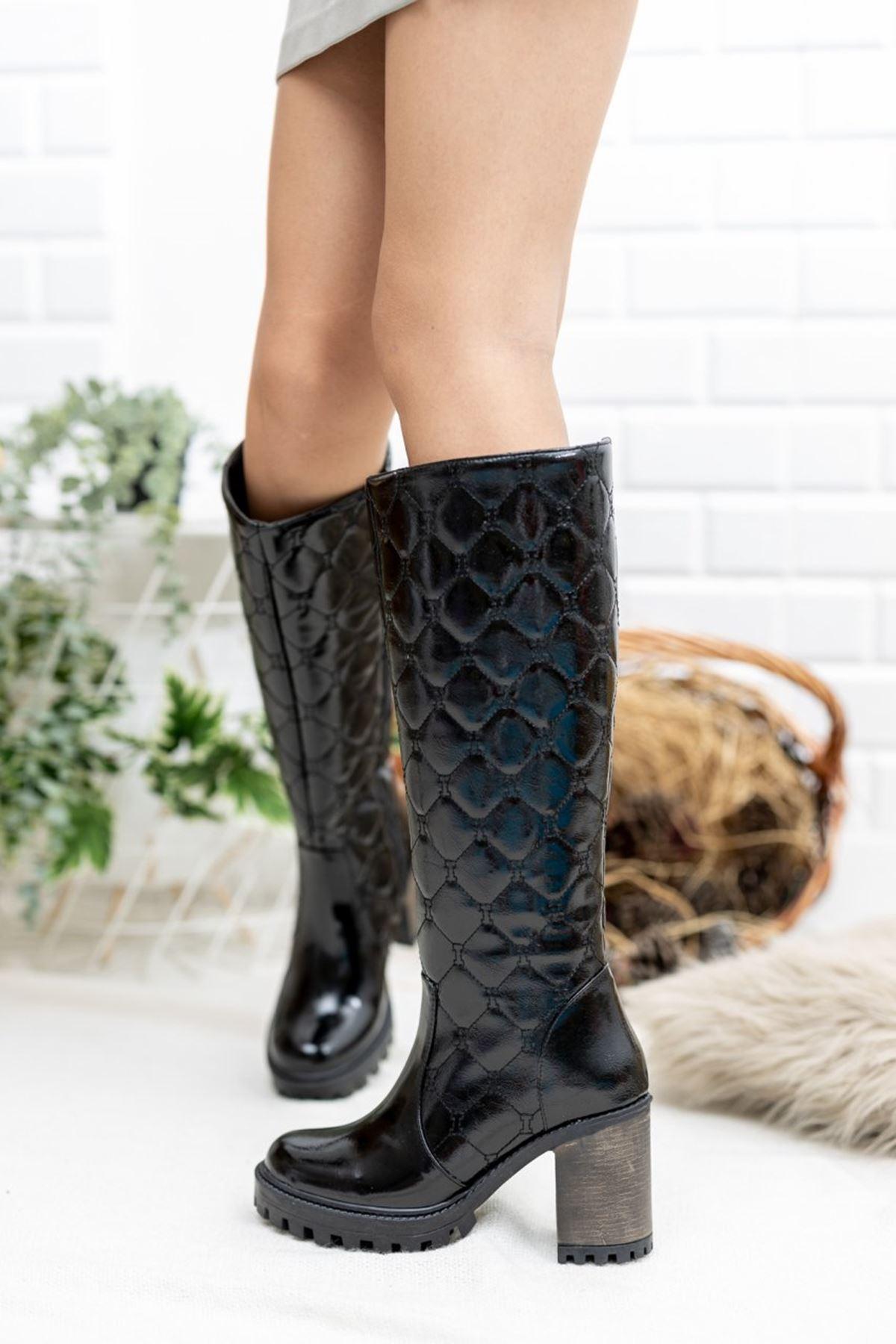 Kadın Lİza Kapitone Detay Topuklu Kırışık Rugan Siyah Çizme