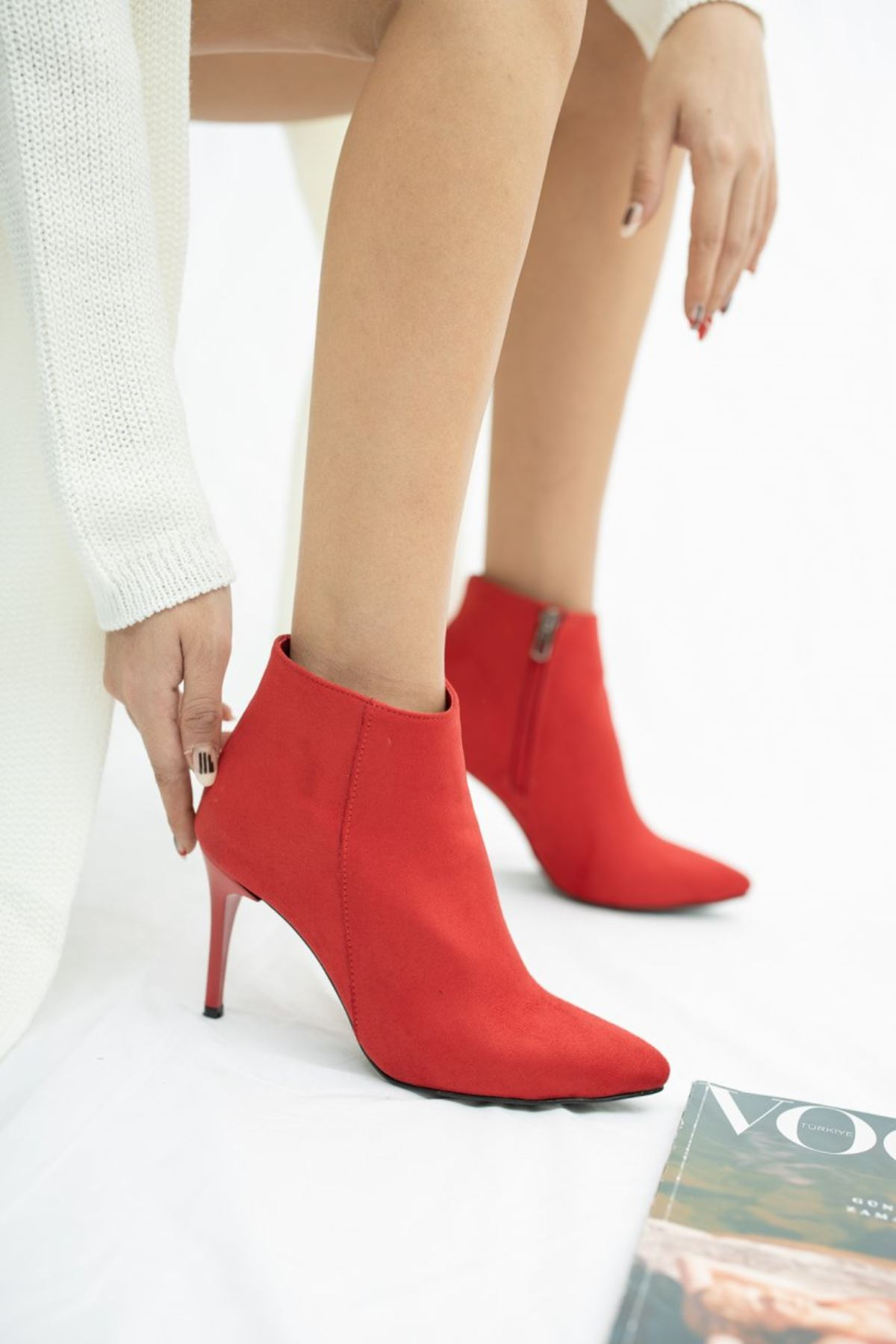 Kadın İkon İnce Topuk  Kırmızı Süet Bot