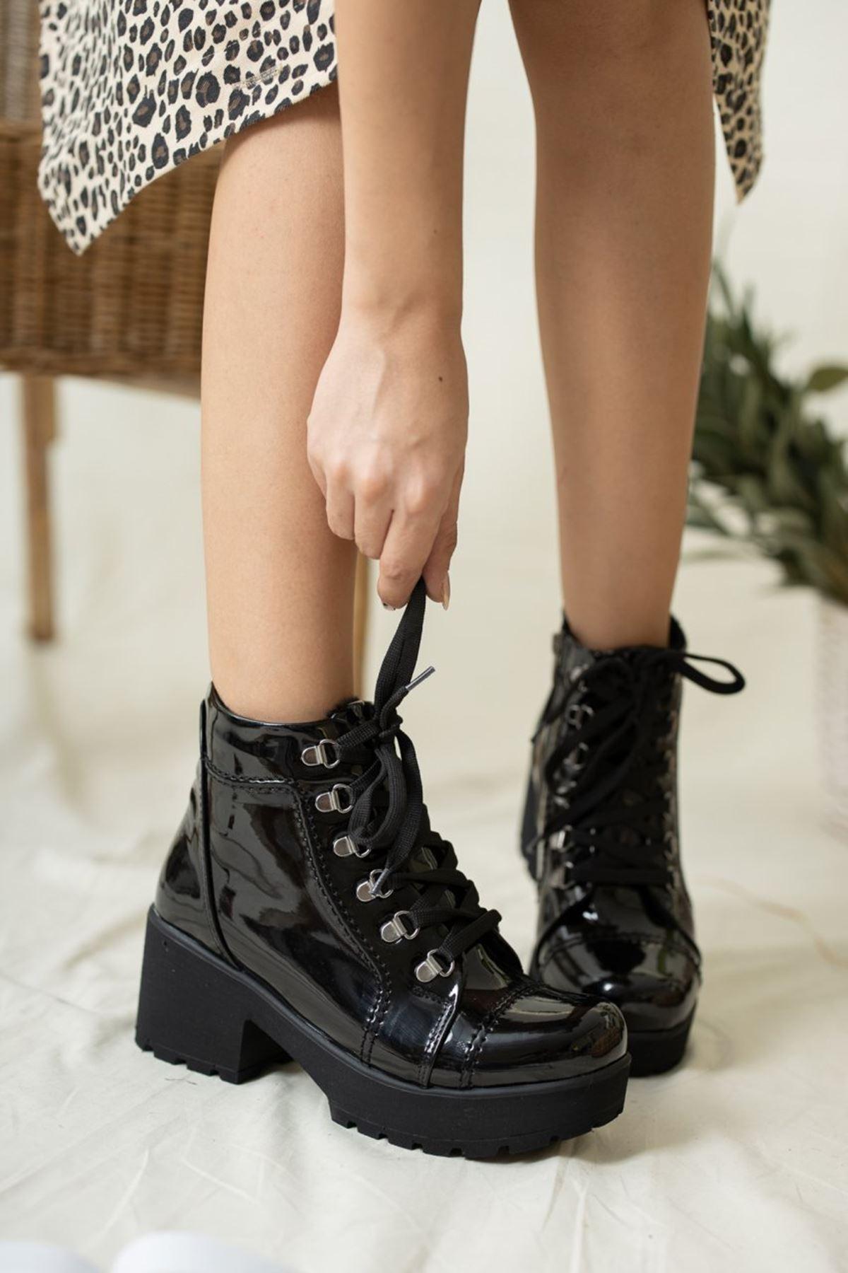 Kadın Comfort Kalın Taban Rugan Siyah Bot