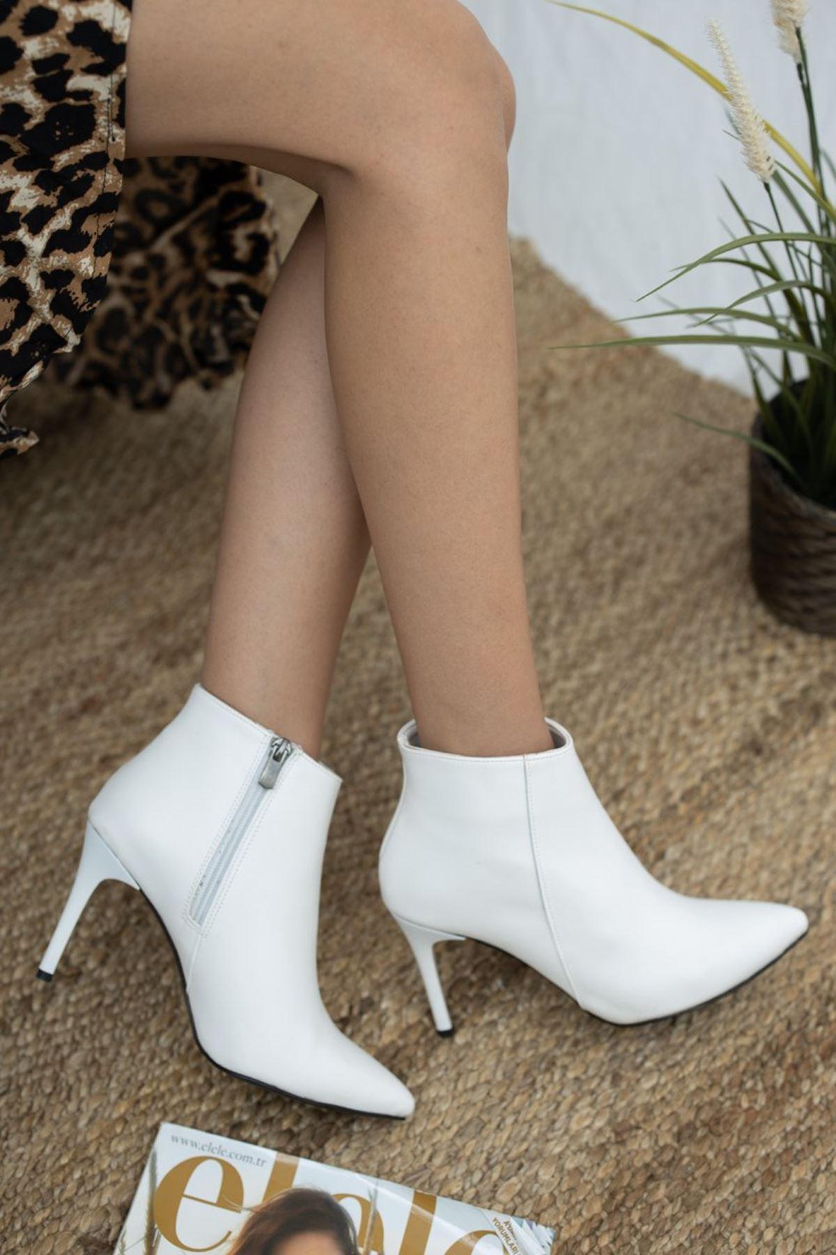 Kadın İkon İnce Topuk Mat Deri Beyaz Bot