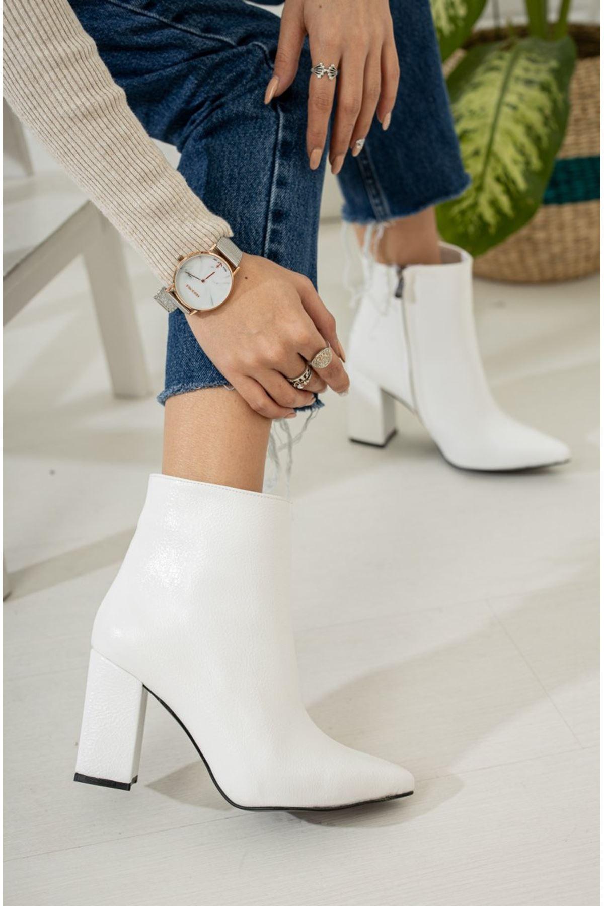 Kadın Darko  Yüksek Topuklu Düz Beyaz Rugan Bot