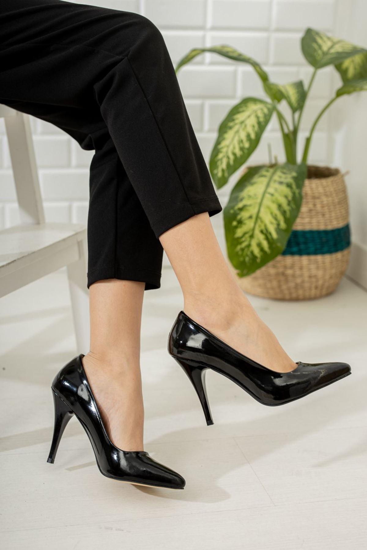 Kadın Ages Yüksek Topuklu  Siyah Rugan Stiletto