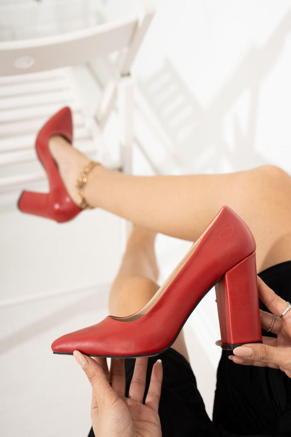 Kadın Kalvi Kalın Topuk Mat Deri Kırmızı Stiletto