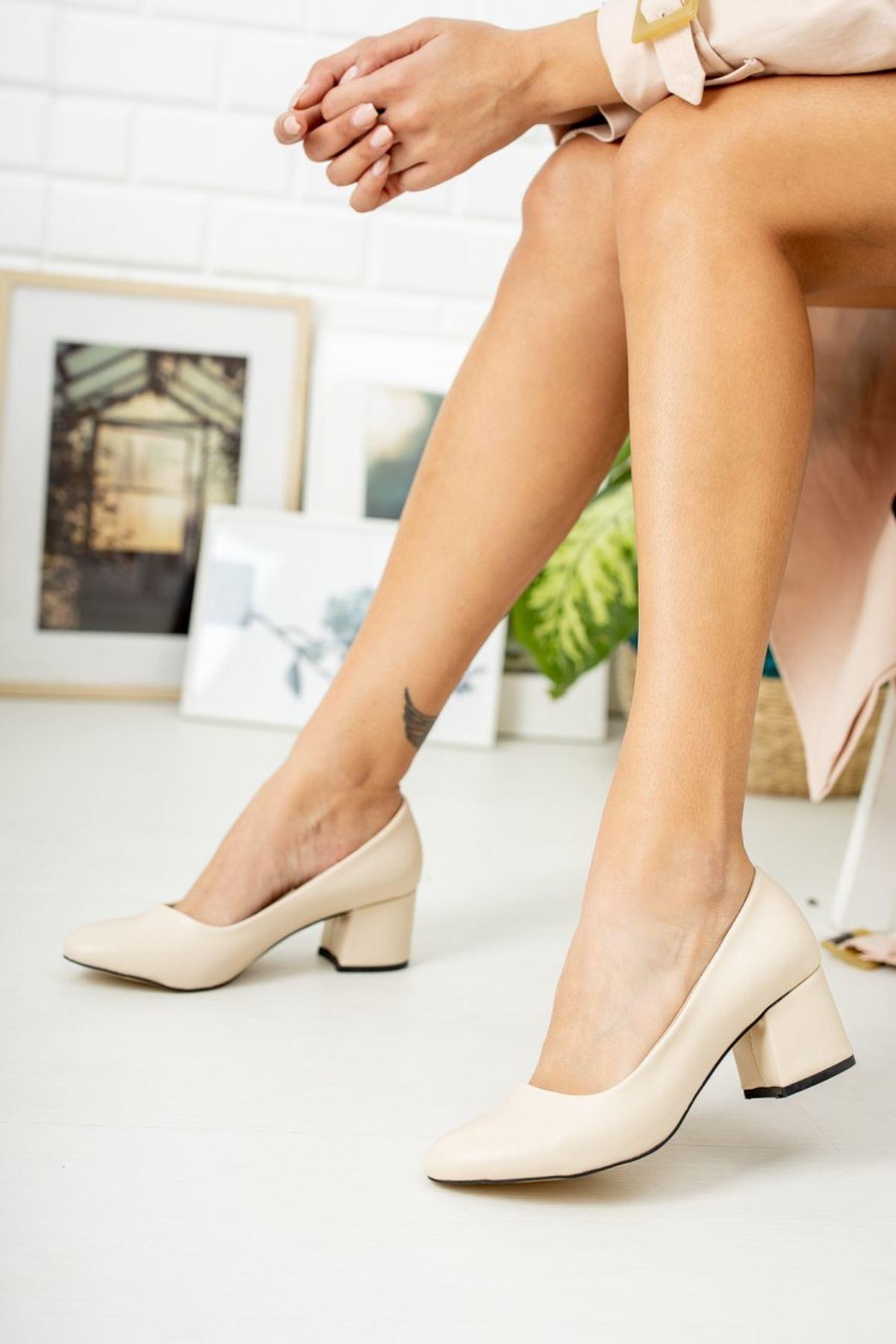 Kadın Voges Kısa Topuklu Mat Deri Ten Ayakkabı