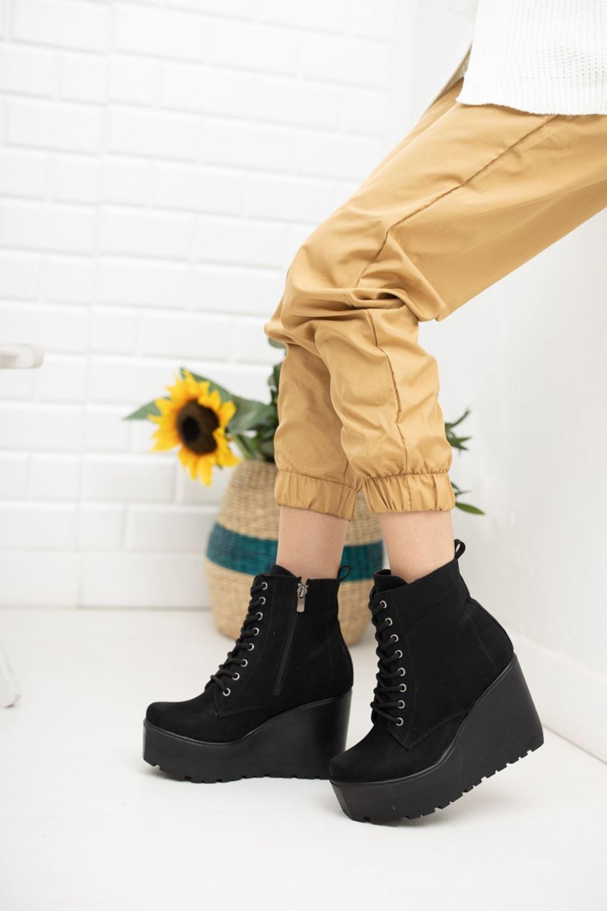 Kadın Sofiya Bağcıklı Dolgu Topuk  Siyah Süet Bot