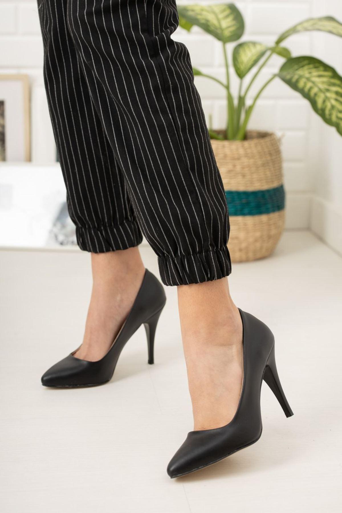 Kadın Ages Yüksek Topuklu Mat Deri Siyah Stiletto