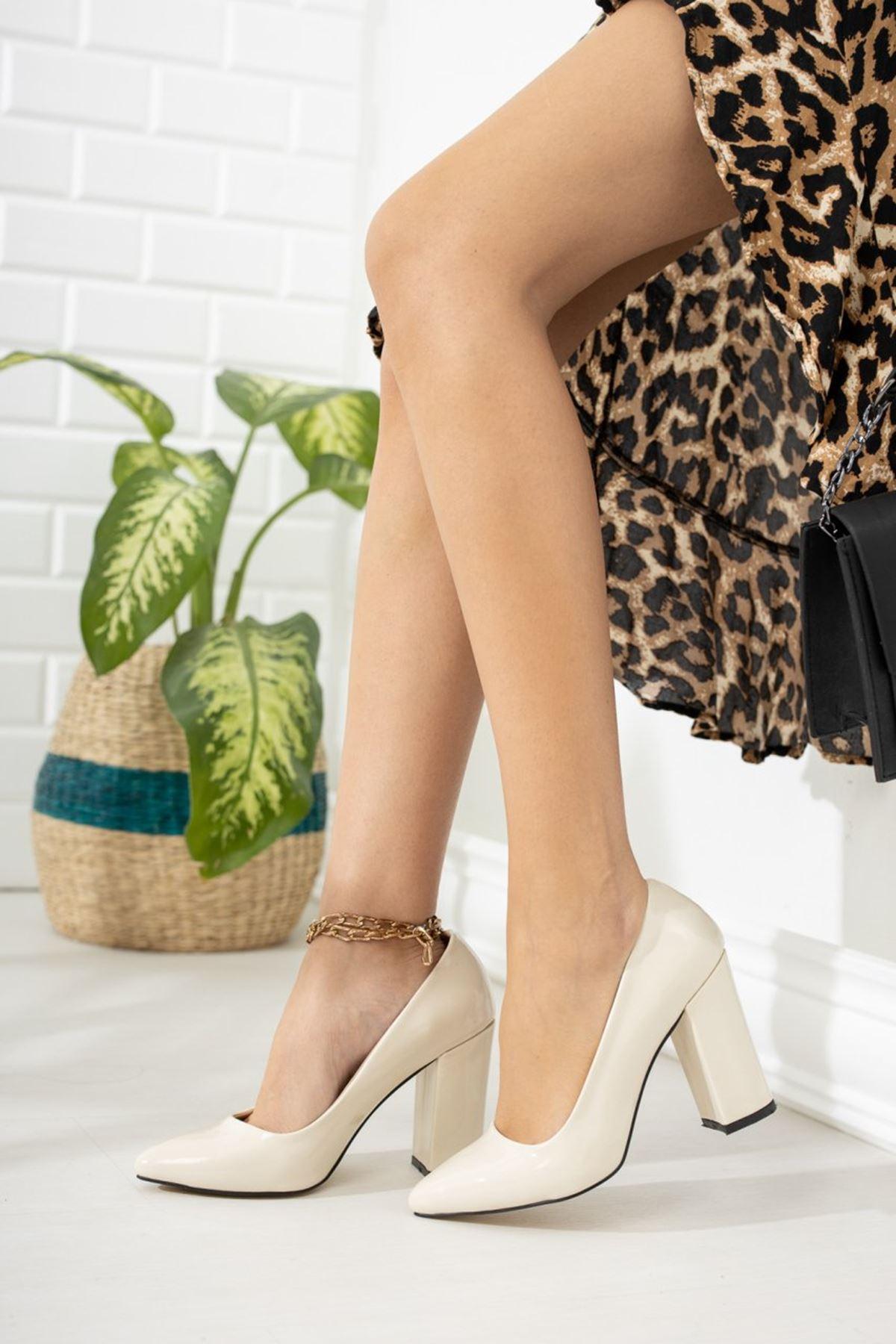 Kadın Kalvi Kalın Topuk Ten Rugan Stiletto