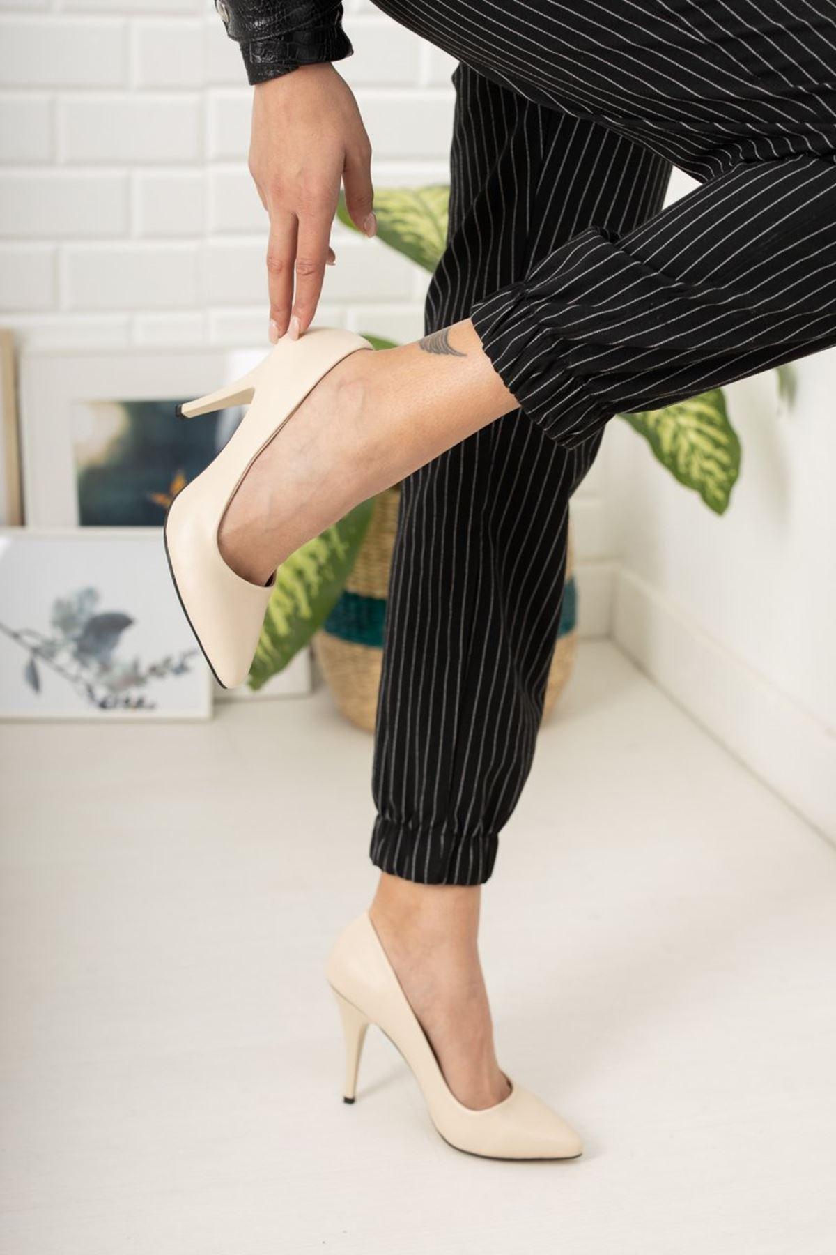 Kadın Ages Yüksek Topuklu Mat Deri Ten Stiletto