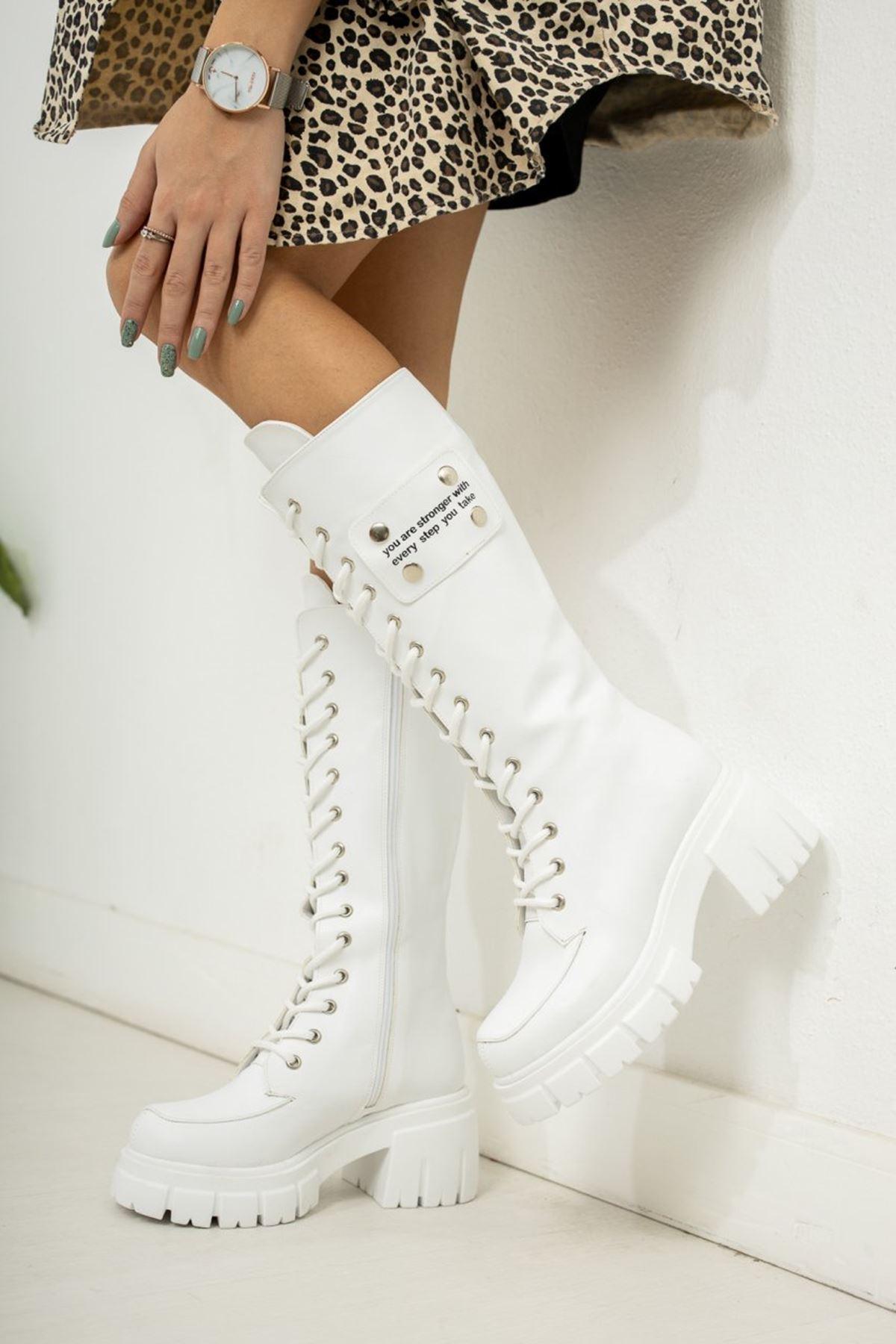 Kadın Vitali Kalın Taban Diz Altı Mat Deri Beyaz Çizme