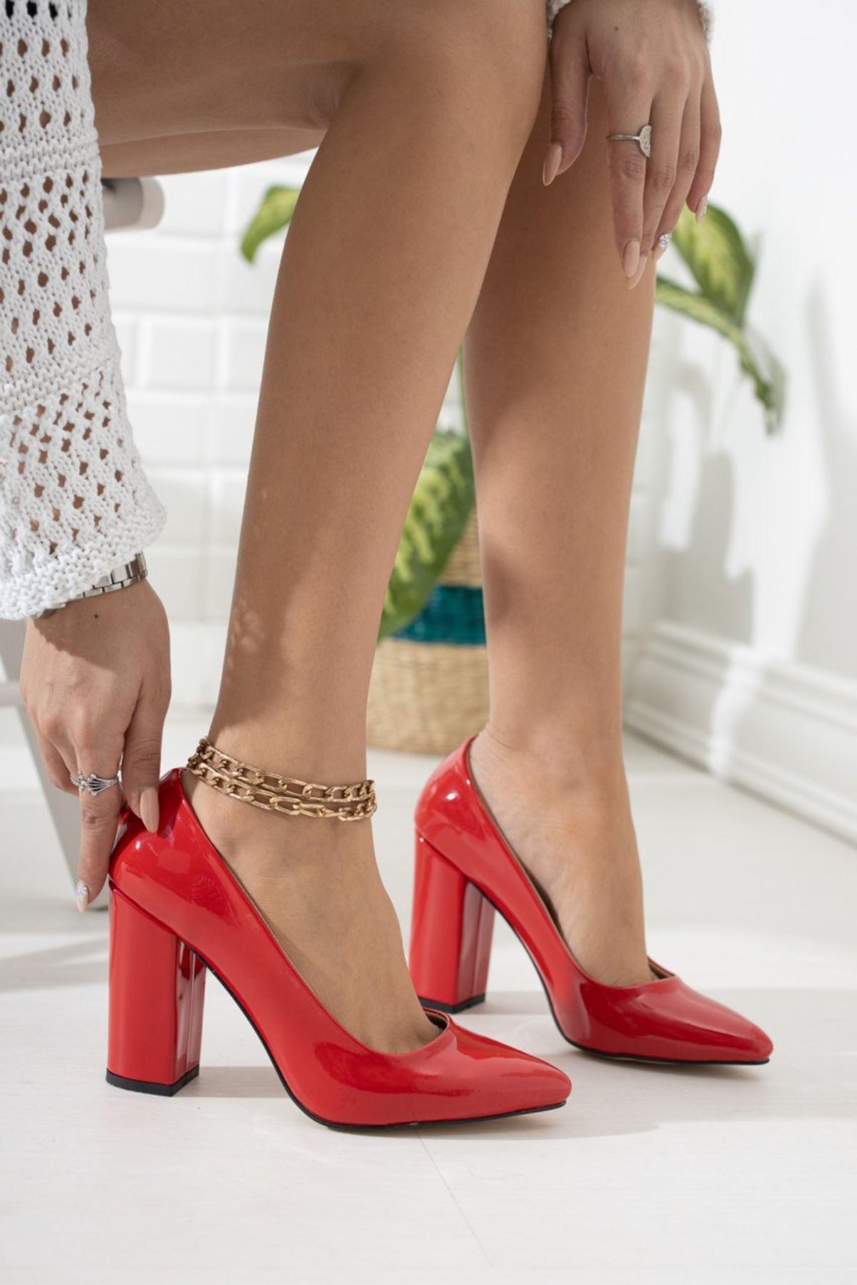 Kadın Kalvi Kalın Topuk Kırmızı Rugan Stiletto