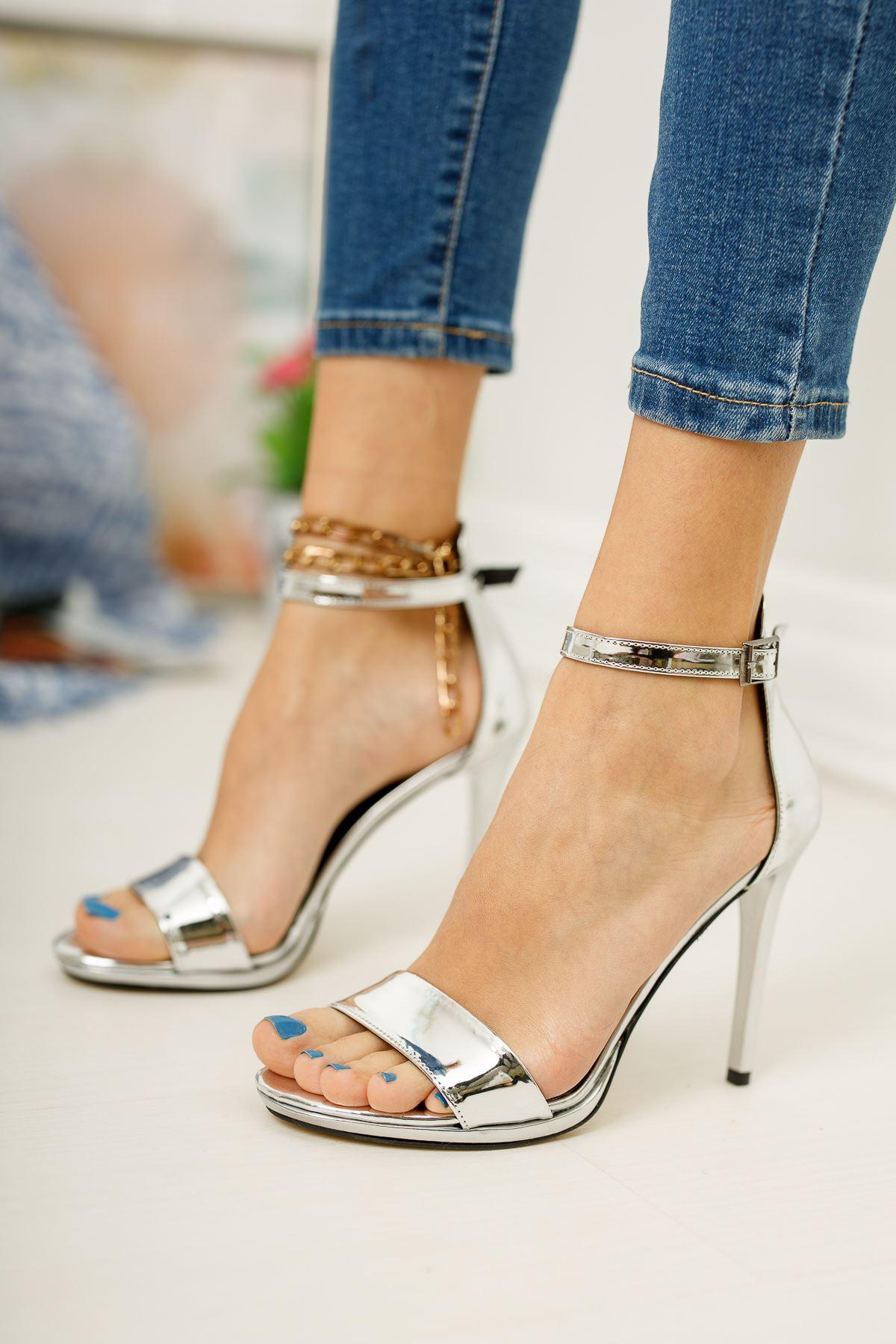 Kadın Anta GümüşTopuklu Ayakkabı