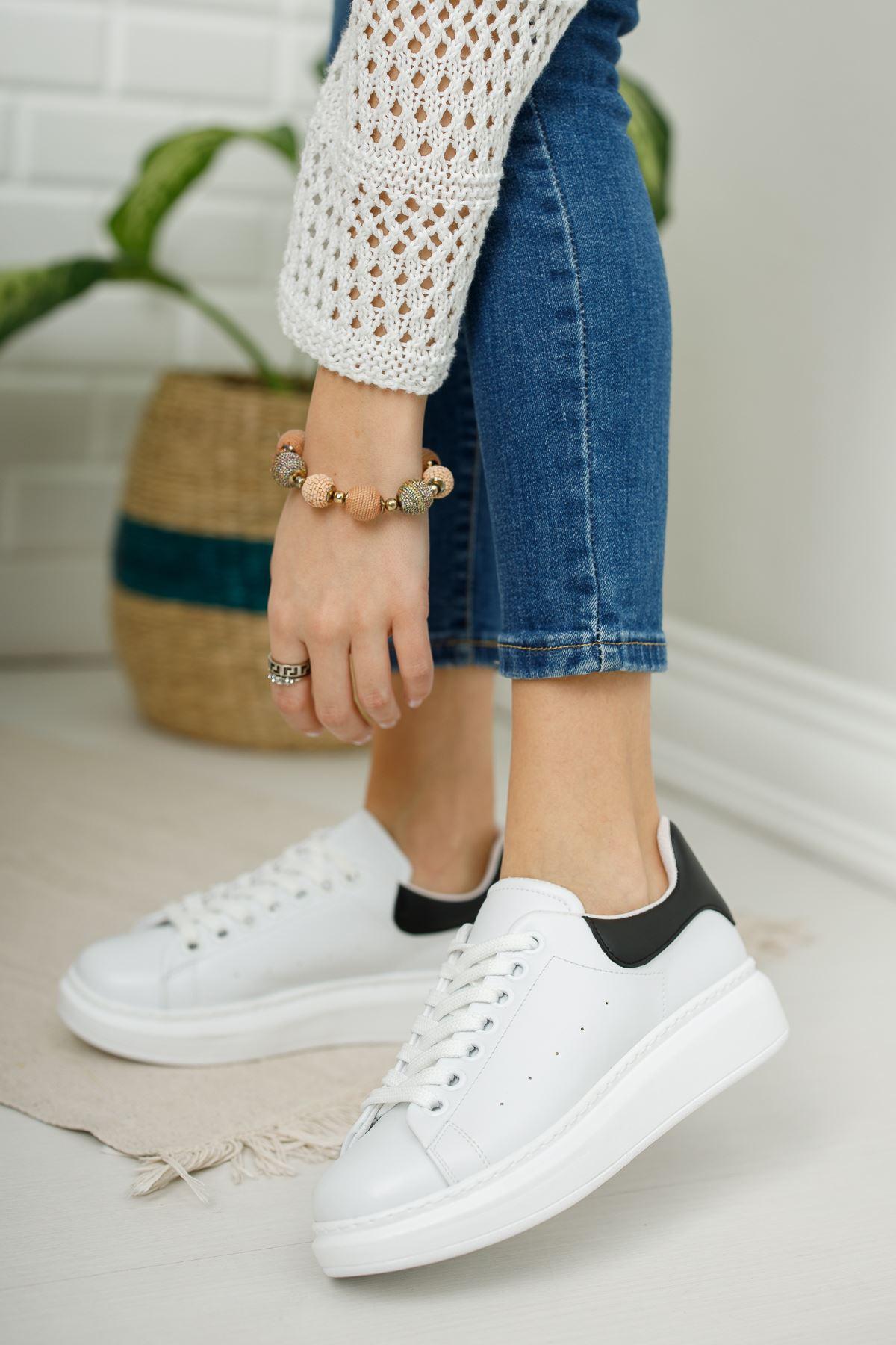 Kadın Alinda Mat Deri Beyaz Siyah Detay Spor Ayakkabı