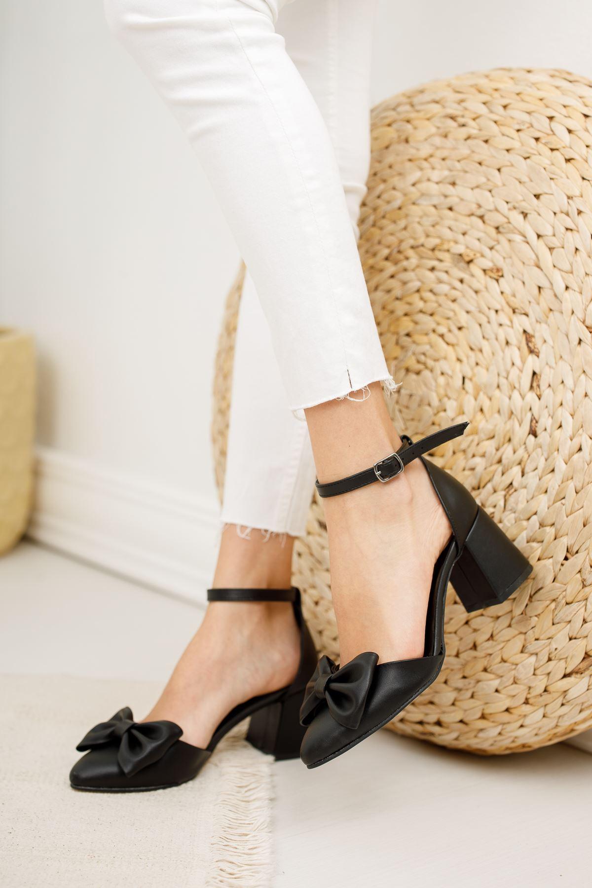 Kadın Verto Papyon Detay  Mat Deri Siyah Topuklu Ayakkabı